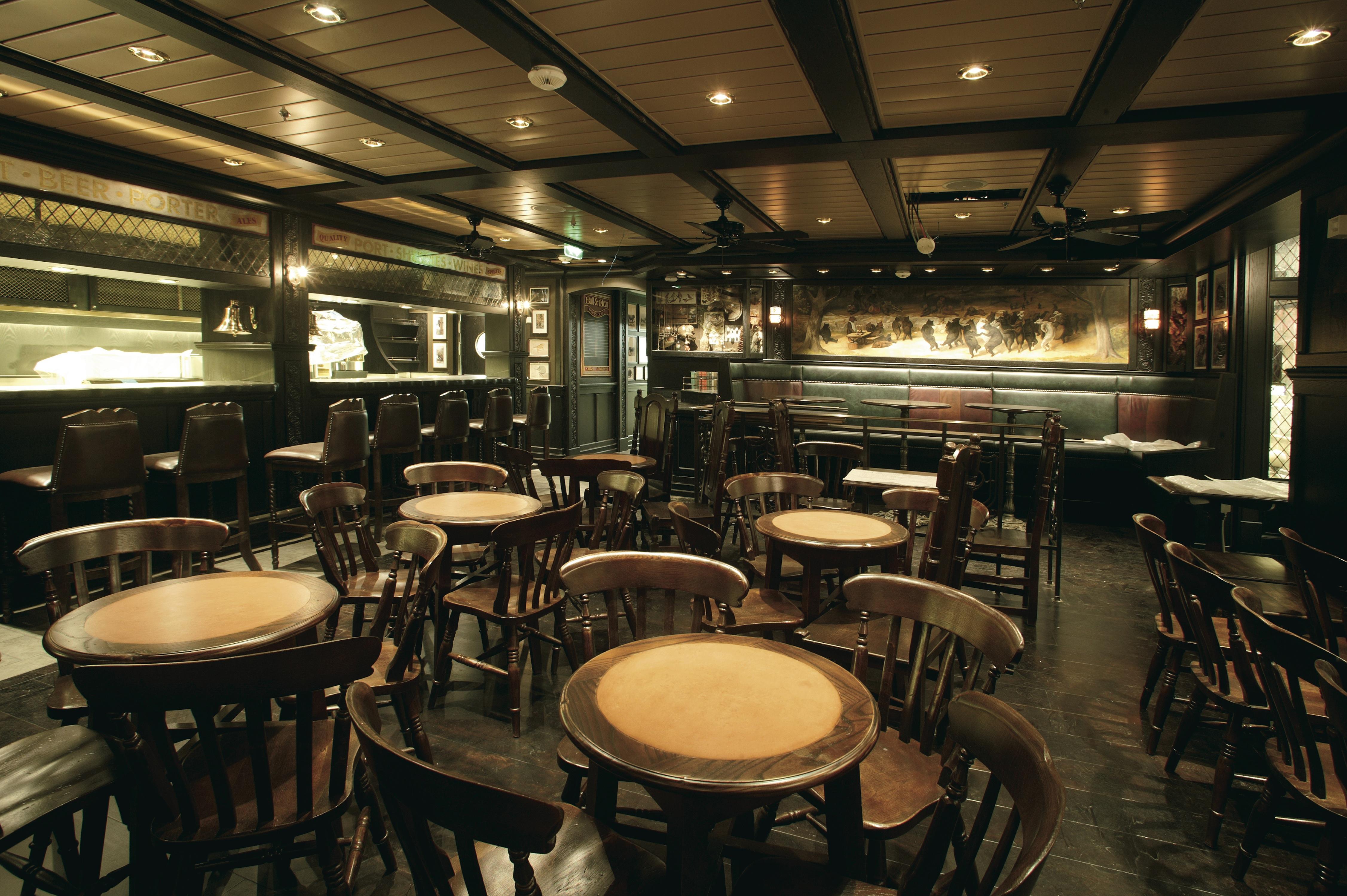 Royal Caribbean International Freedom of the Seas Interior Bull Bear Pub.jpeg