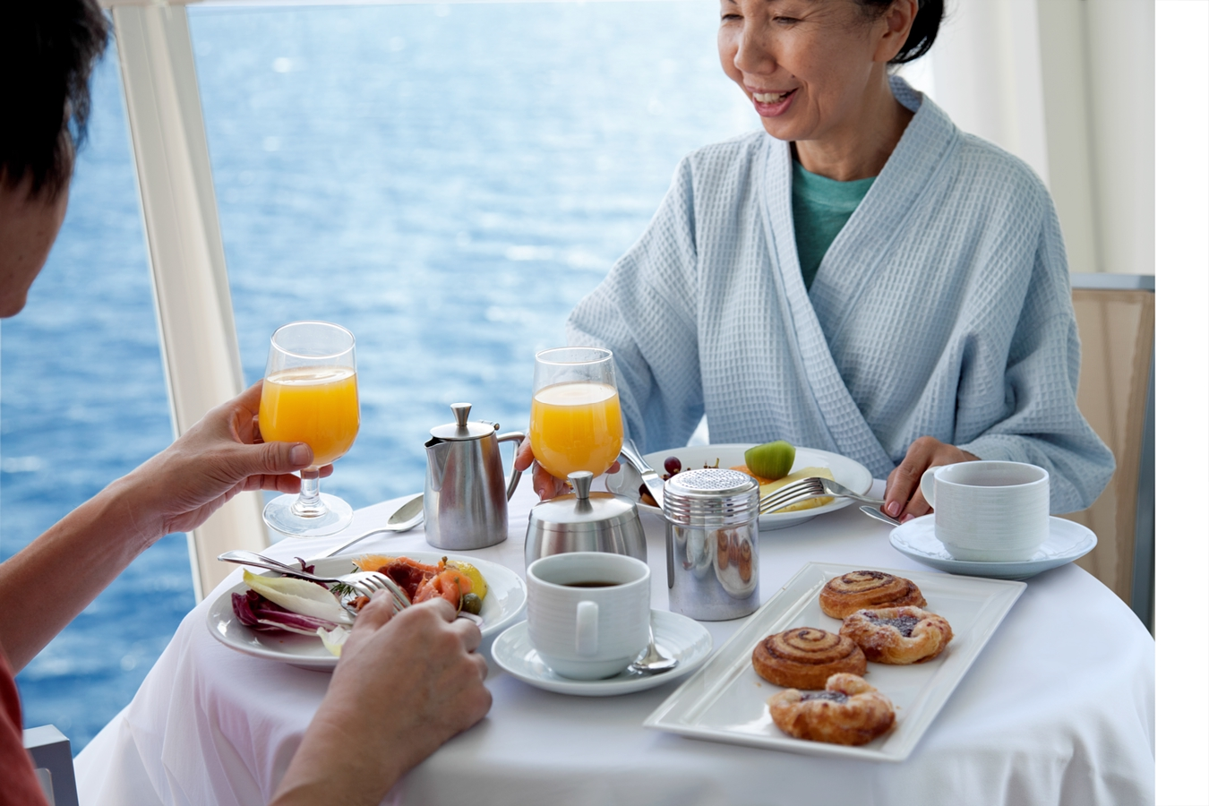 Royal Caribbean International Oasis of the seas accommodation Breakfast on balcony.jpg