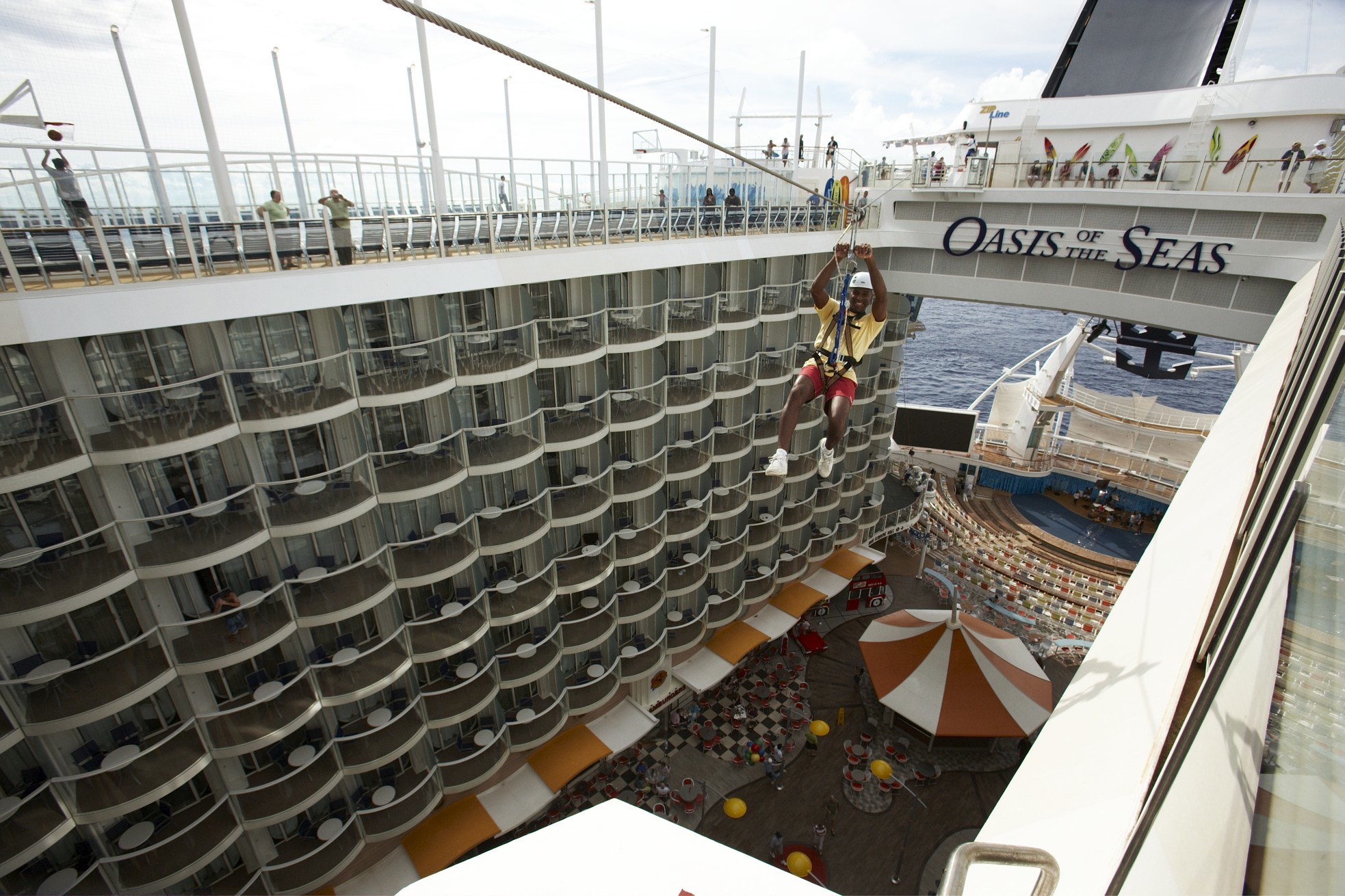 Royal Caribbean International Oasis of the Seas Exterior ZIPLINE AA 090.jpg