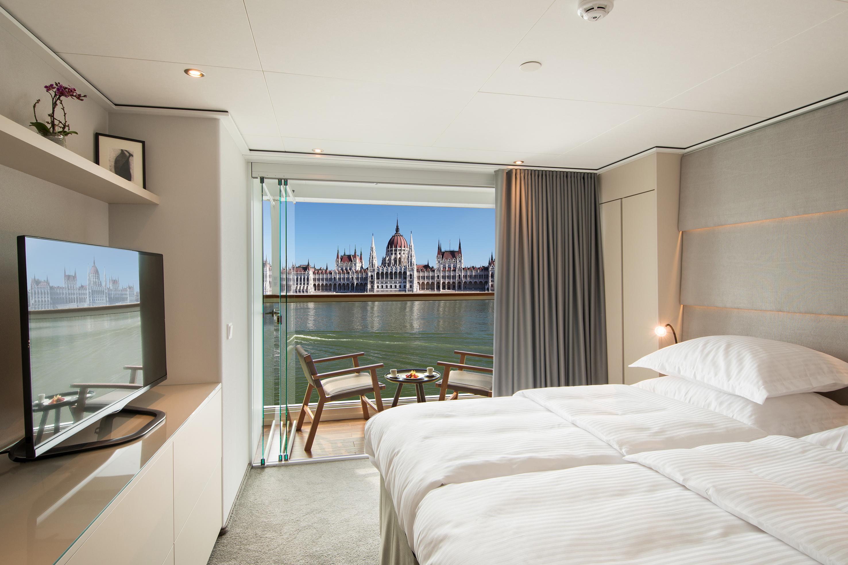 Emerald Waterways Star-Ships Accommodation Grand Balcony Suite.jpg