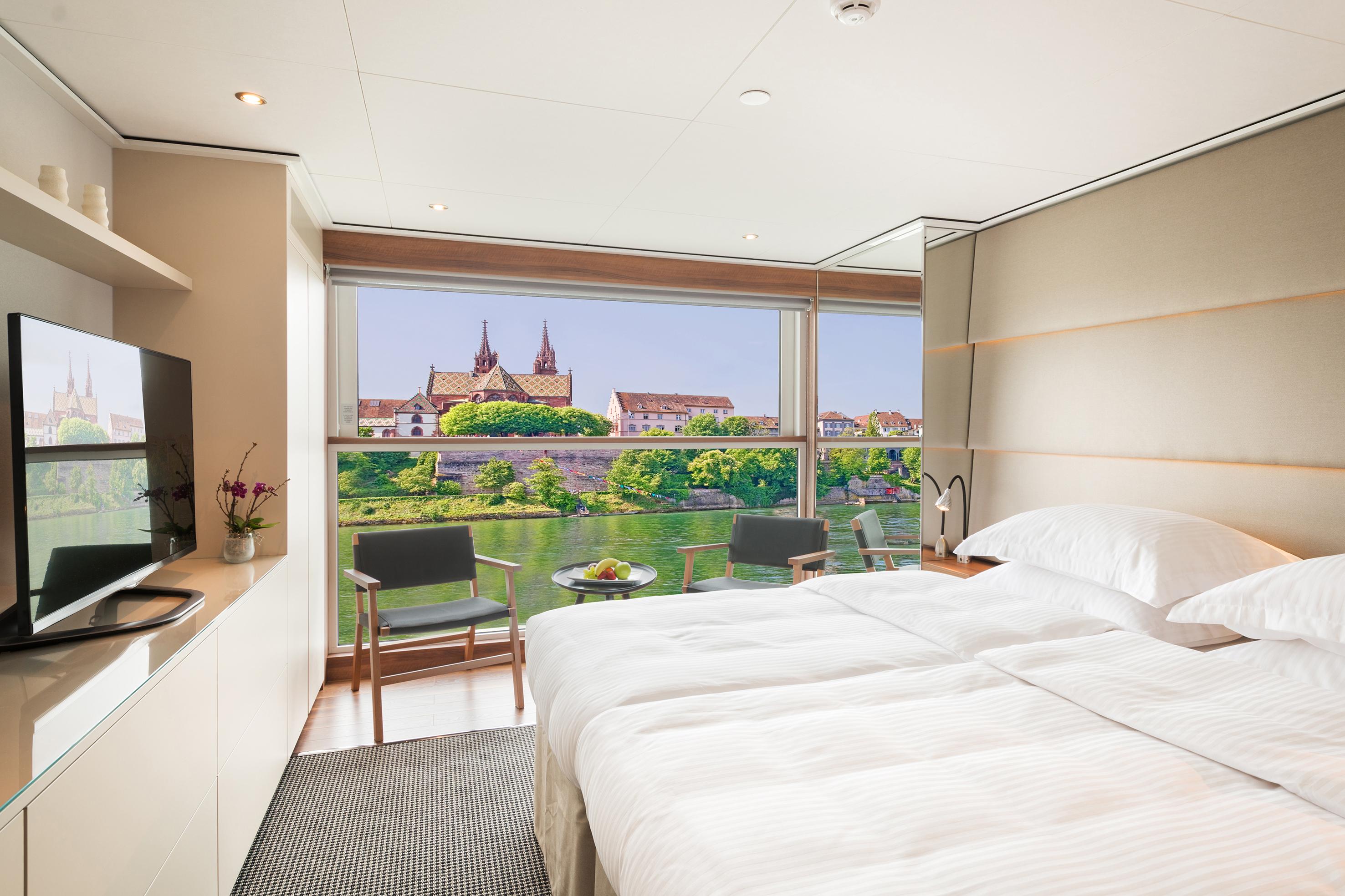 Emerald Waterways Star-Ships Accommodation Panorama Balcony Suite.jpg