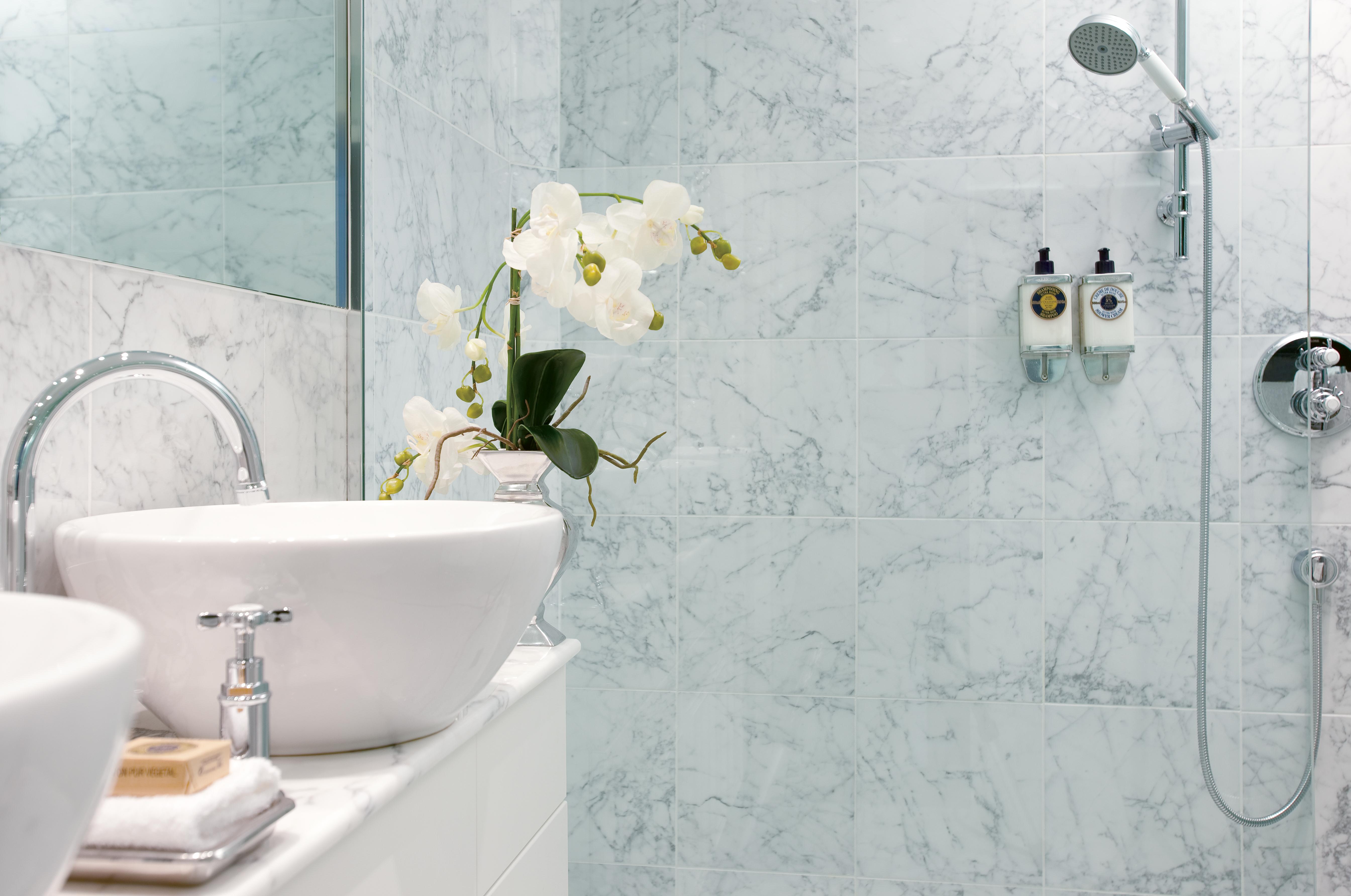UNIWORLD Boutique River Cruises River Empress Accommodation Suite Bathroom.jpg