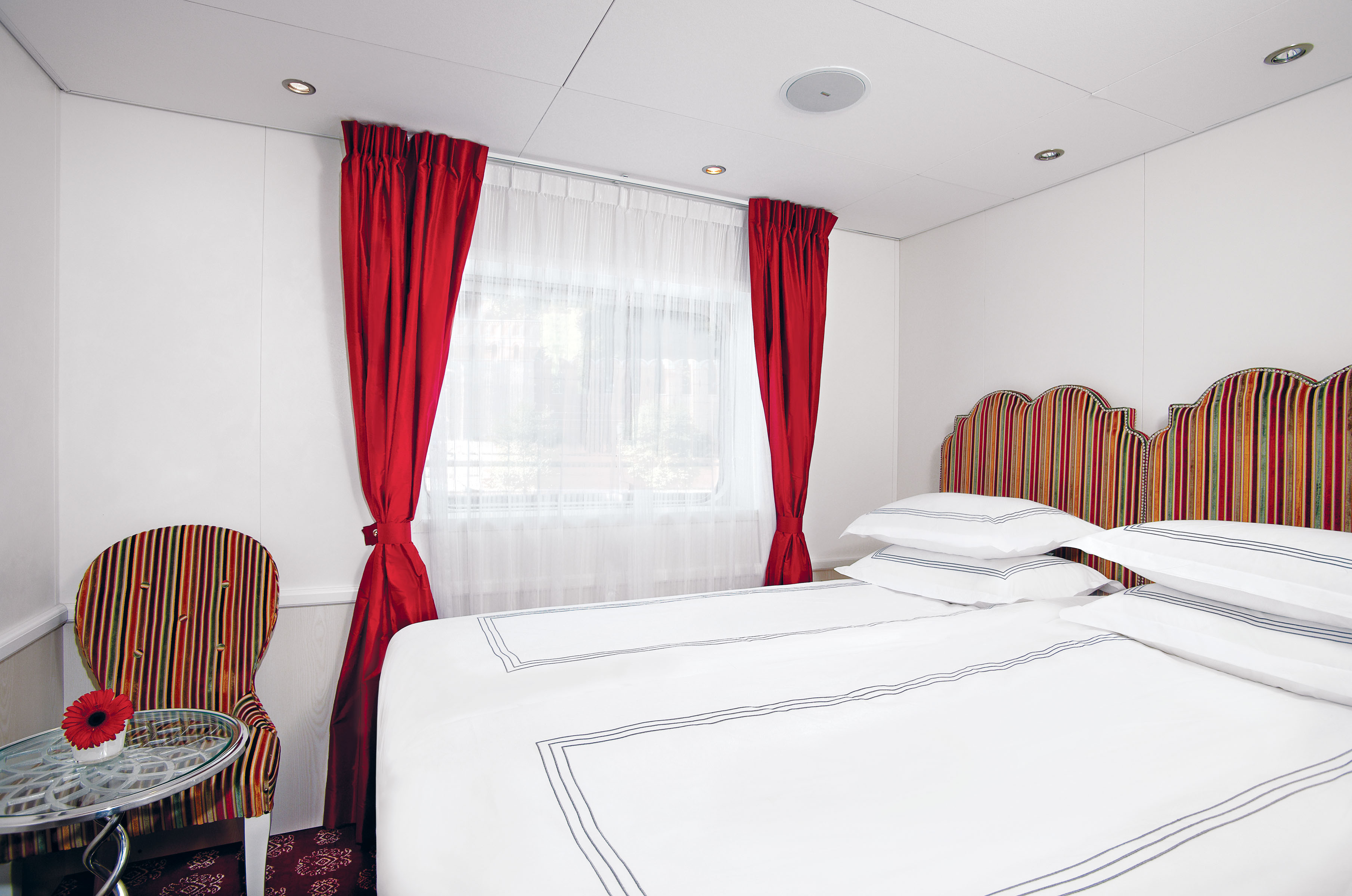 UNIWORLD Boutique River Cruises River Victoria Accommodation Stateroom Category 4-5.jpg