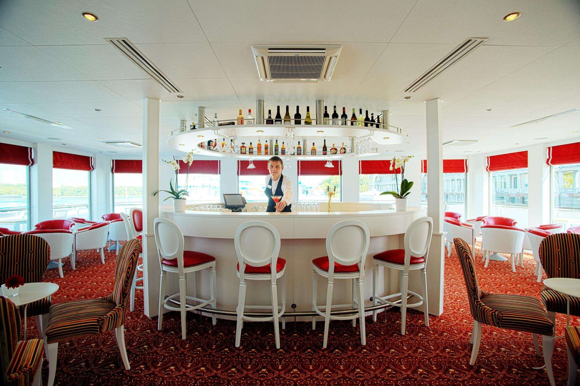 UNIWORLD Boutique River Cruises River Victoria Interior Katarina Bar 3.jpg