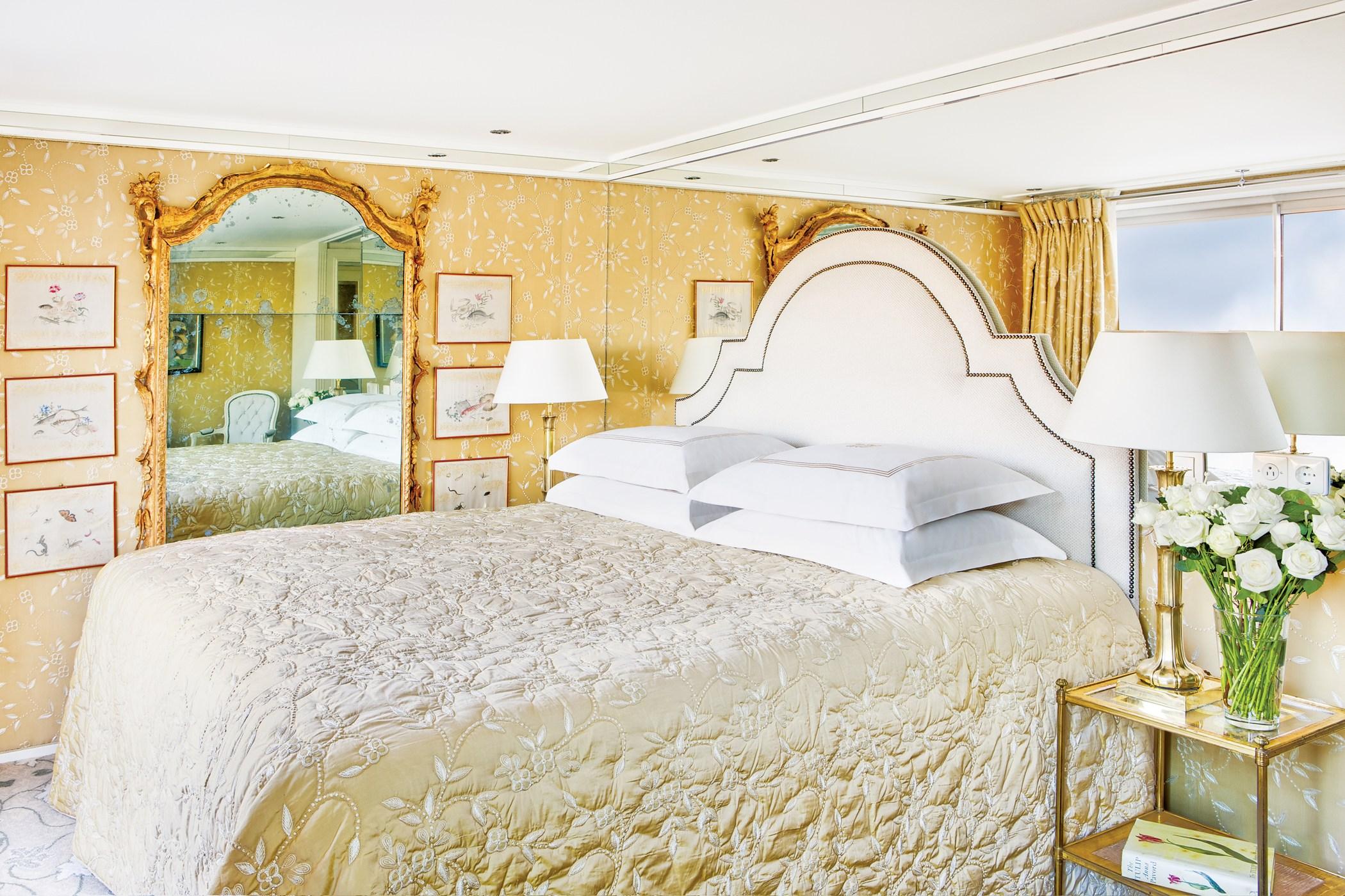 UNIWORLD Boutique River Cruises River Duchess Accommodation Suite.jpg