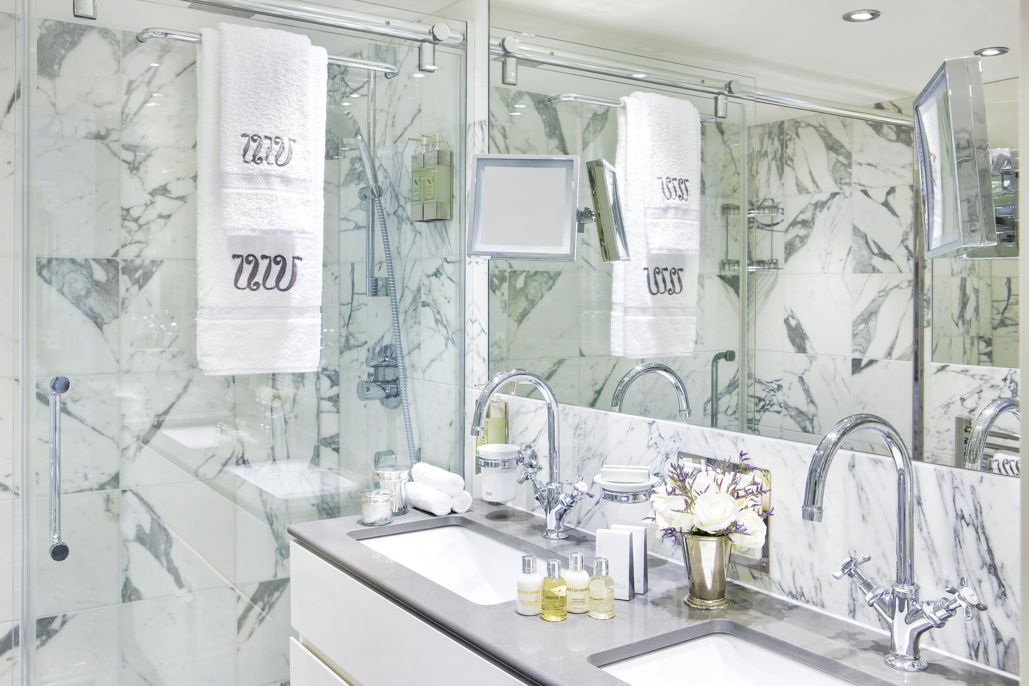 UNIWORLD Boutique River Cruises River Duchess Accommodation Suite Bathroom.jpg