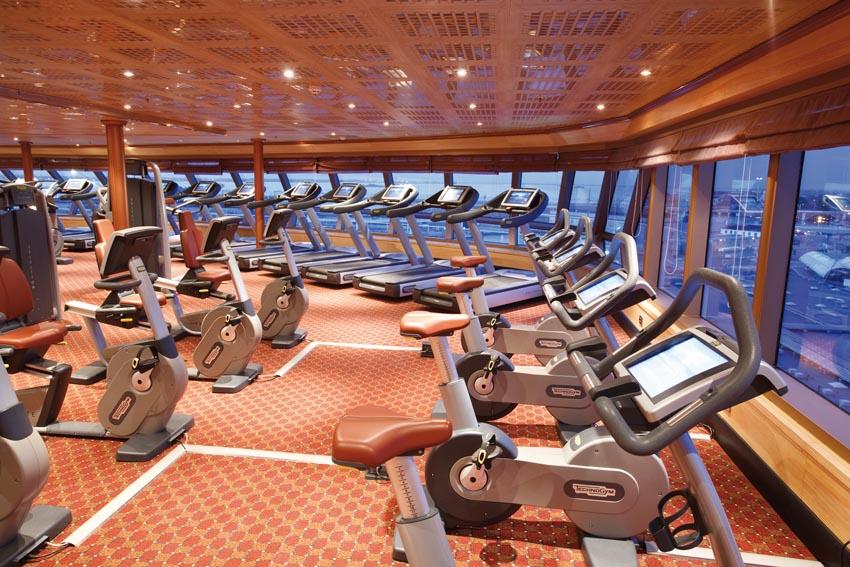Costa Luminosa Sala Spa:Gym 1.jpg