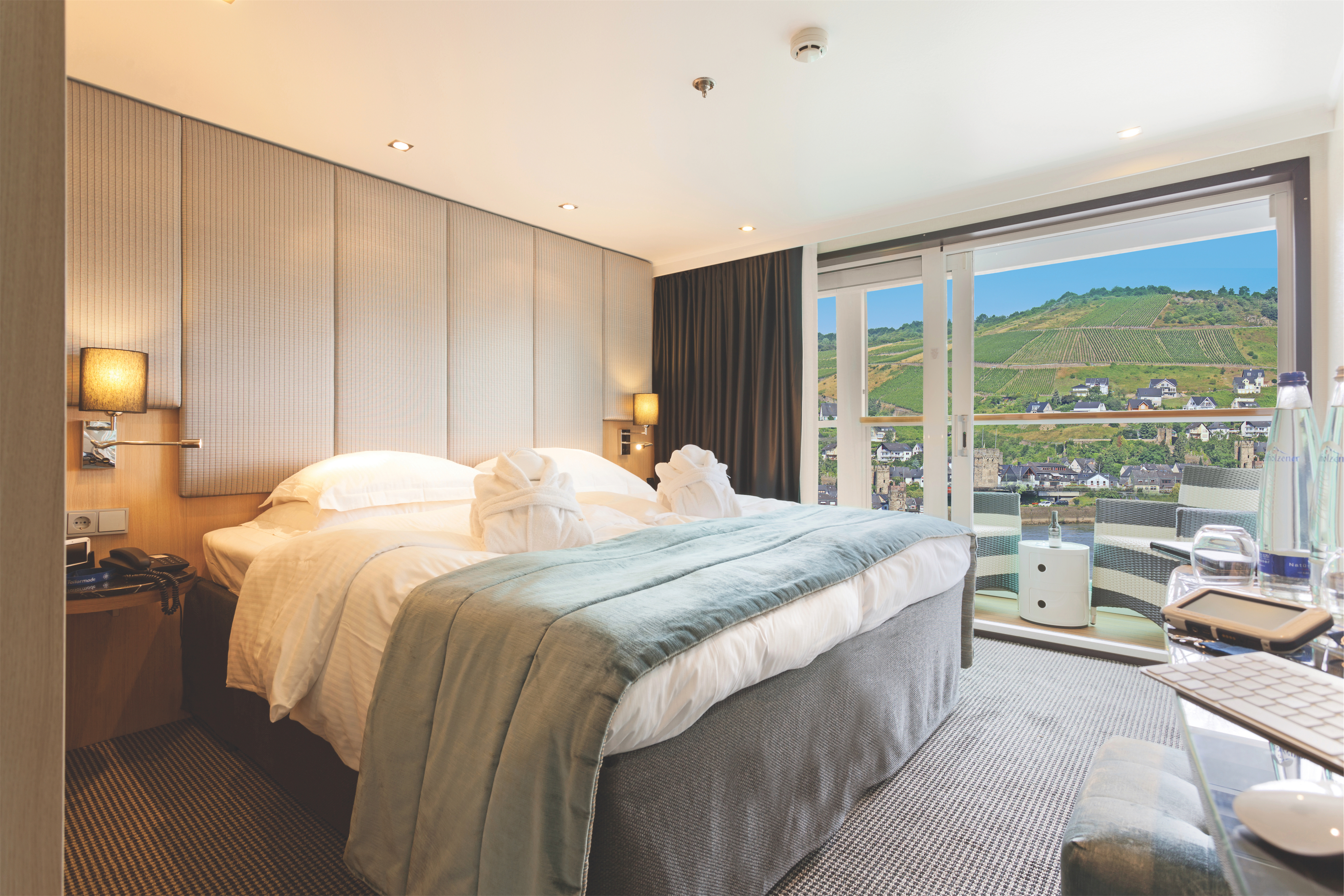 Scenic Sapphire Scenic Emerald Scenic Diamond Scenic Ruby Scenic Pearl Accommodation Balcony Suite 3.jpg