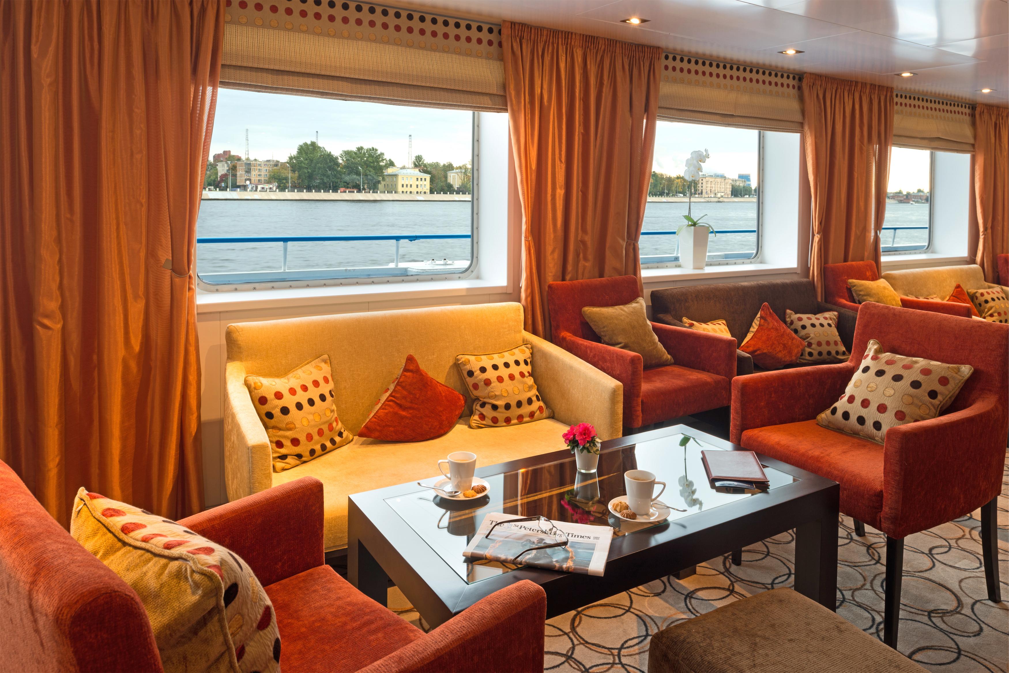 Scenic Tsar Interior Panorama Lounge 4.jpg