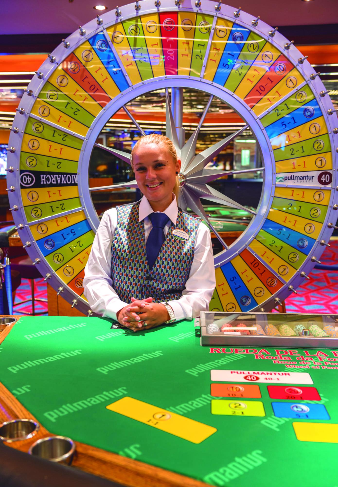 Pullmantur Monarch Interior Casino 2.jpg