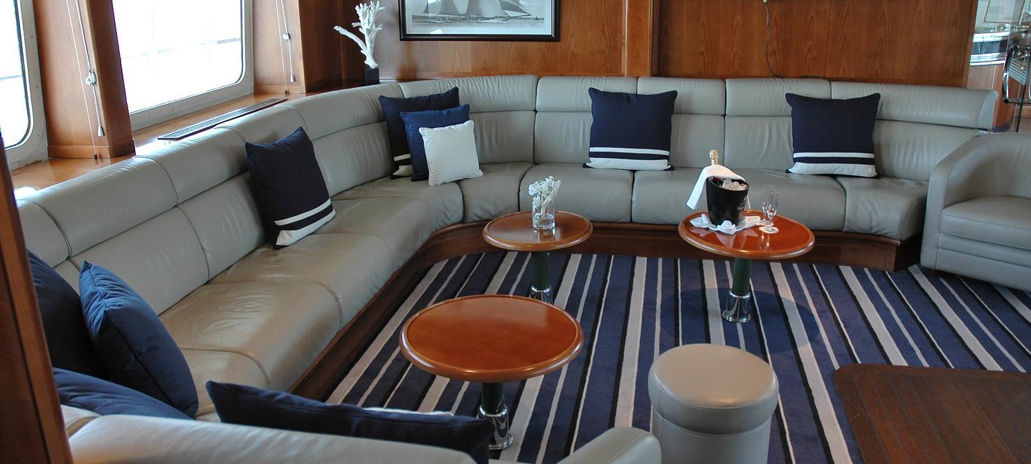 Ponant Le Ponant Interior Emeraude Lounge 2.JPEG
