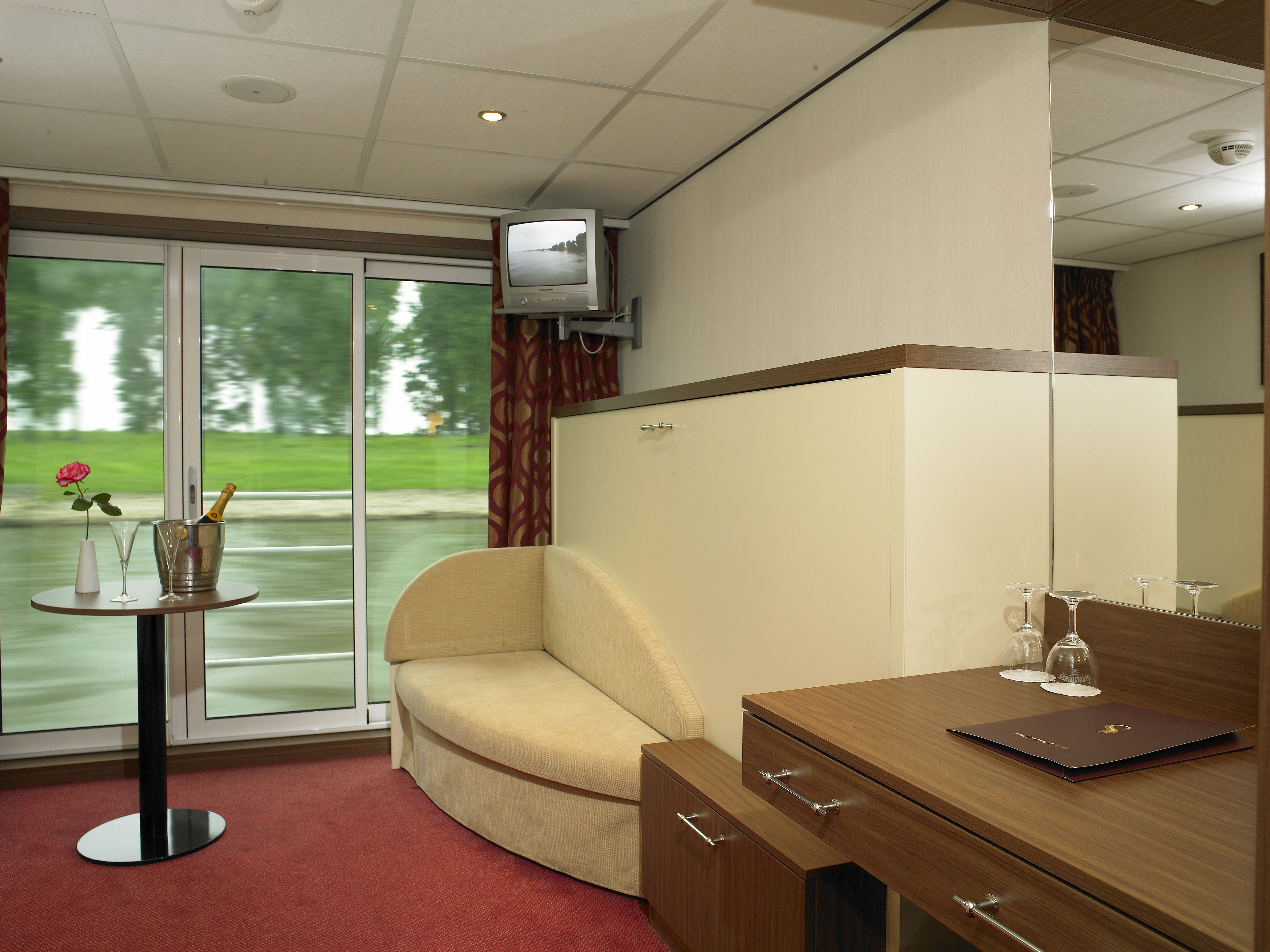 The River Cruise Line MS Serenity Accommodation Panorama Cabin.jpg