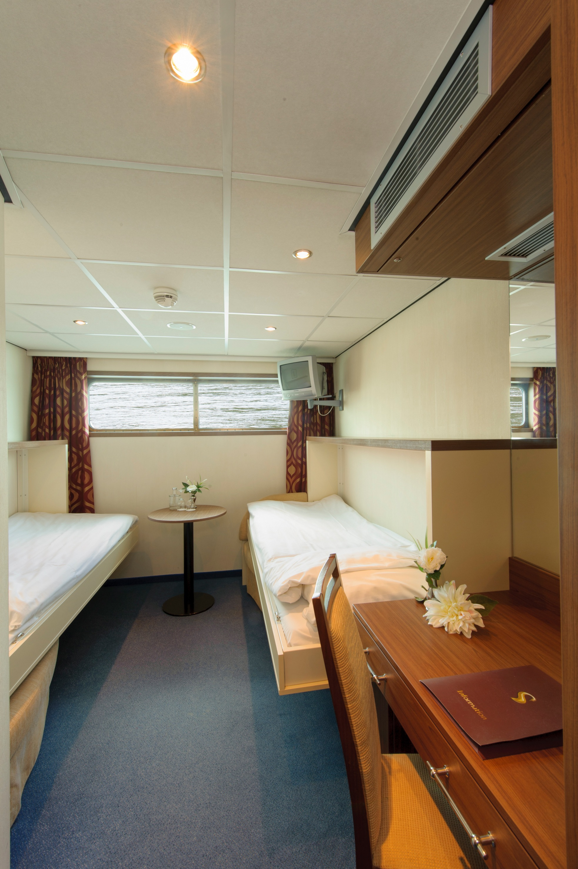 The River Cruise Line MS Serenity Accommodation Main Deck Cabin 1.jpg