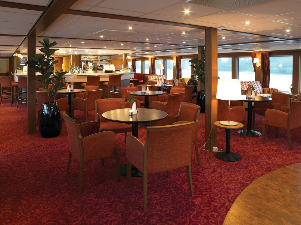 The River Cruise Line MS Serenity Interior Lounge 2.jpg
