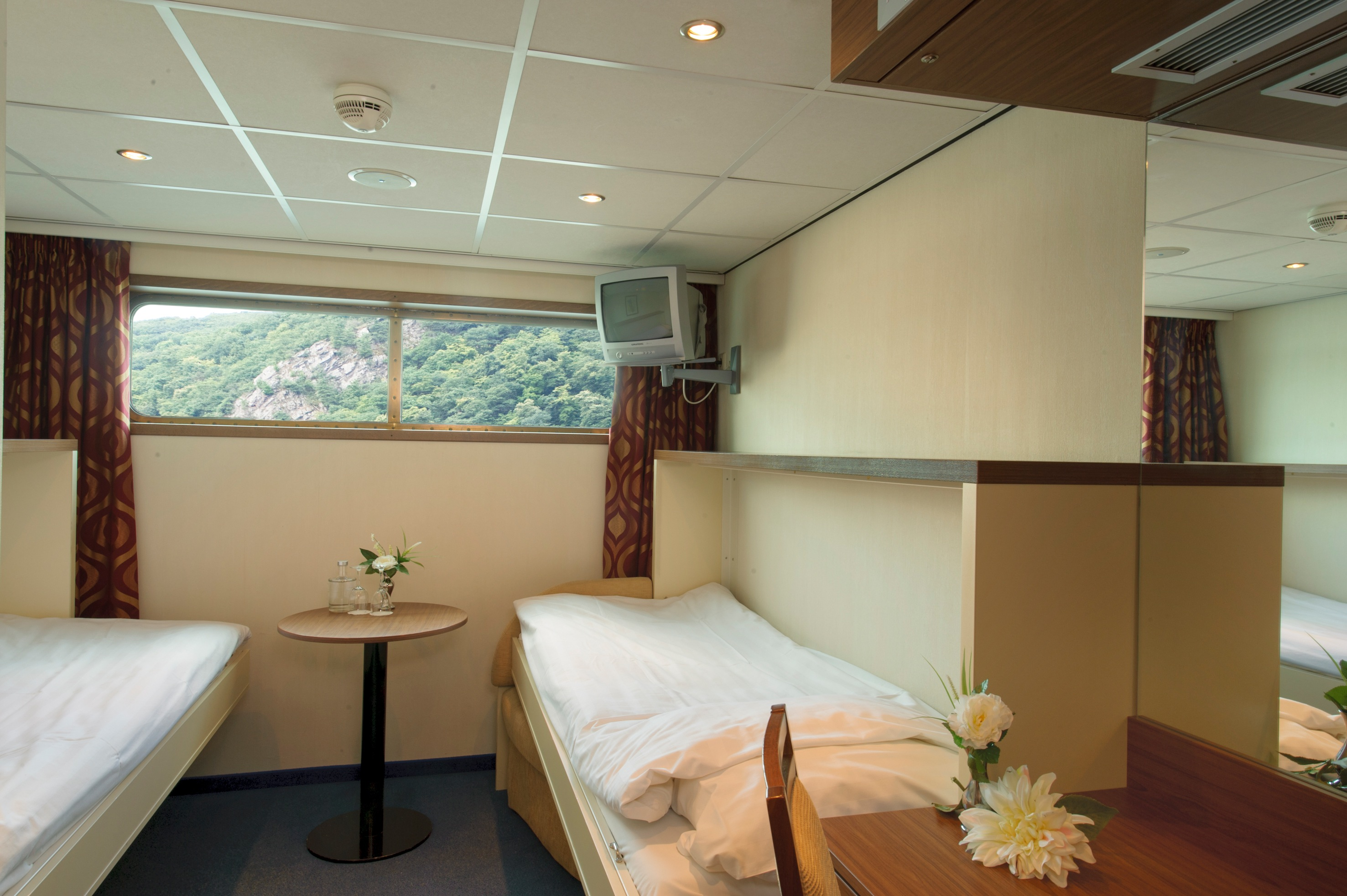 The River Cruise Line MS Serenity Accommodation Main Deck Cabin 2.jpg