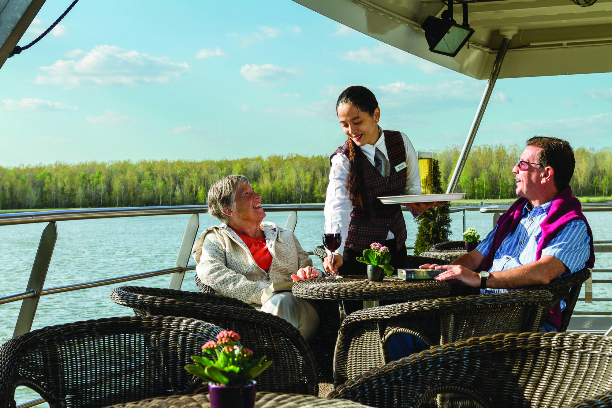 The River cruise line Serenity Lido Bar Serenity551 R PB.jpg