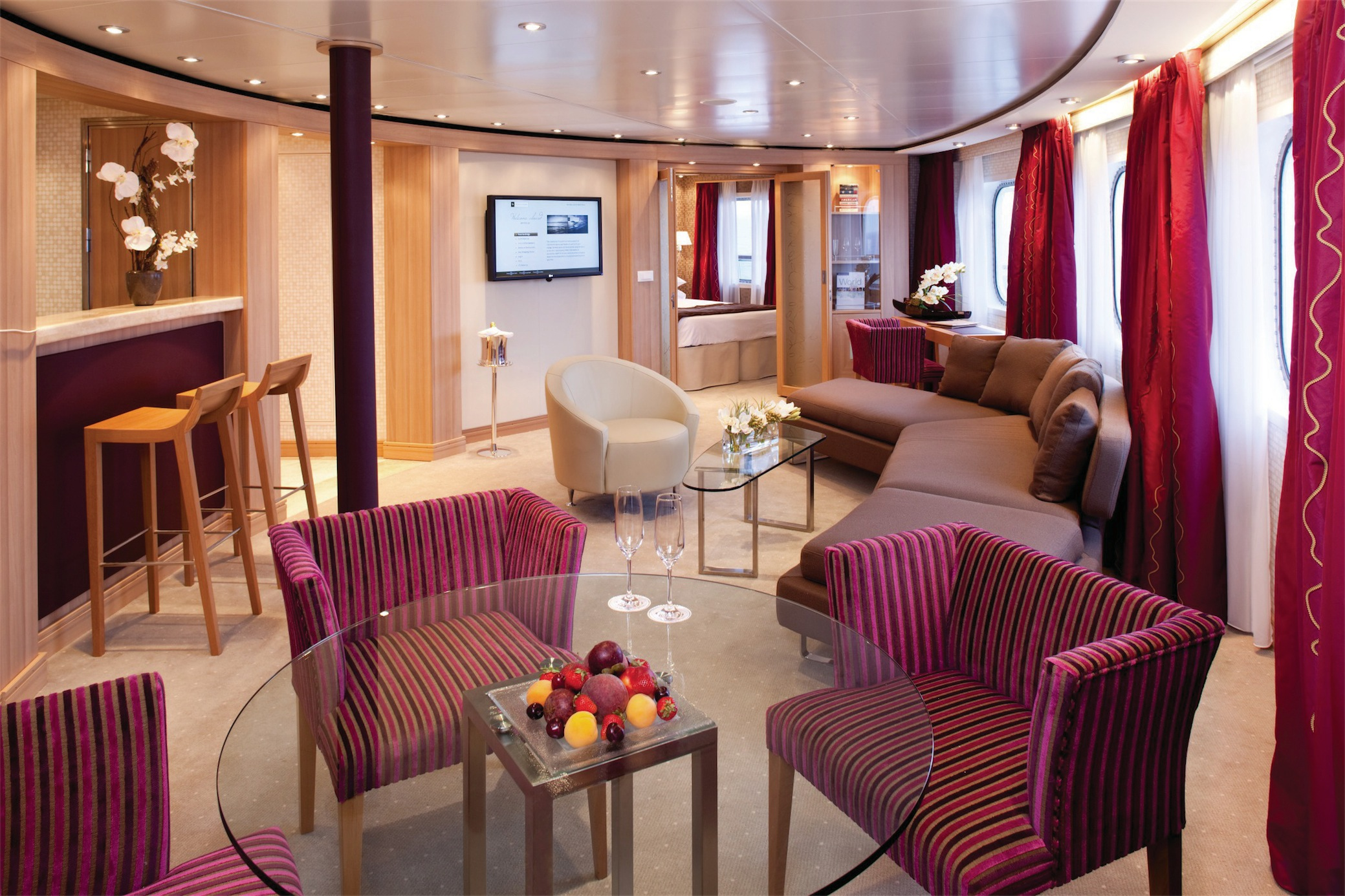 Seabourn Odyssey Class Accommodation Owner's Suite.jpg