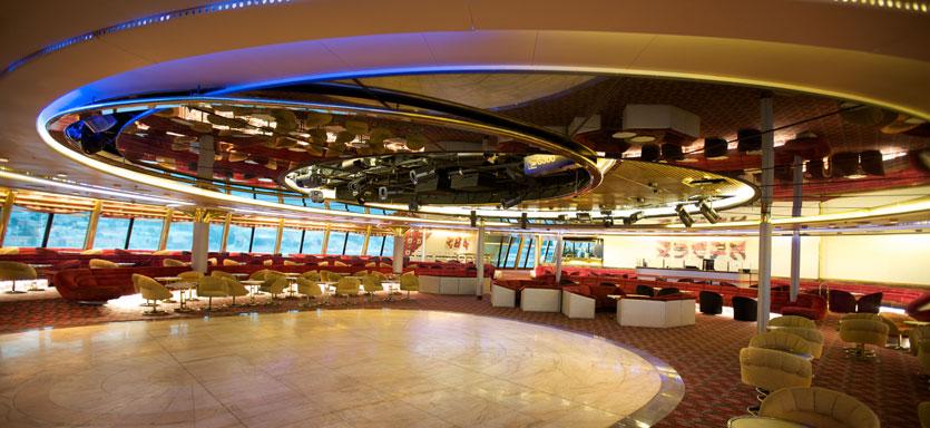 Pullmantur Sovereign Interior Zoom Nightclub.jpg