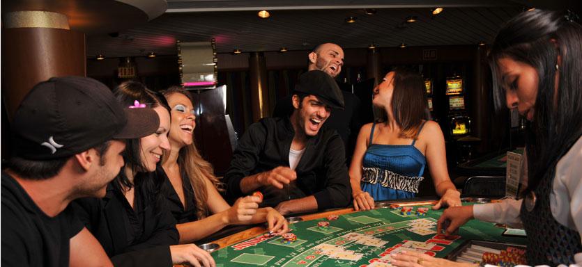 Pullmantur Sovereign Interior Casino del Mar.jpg