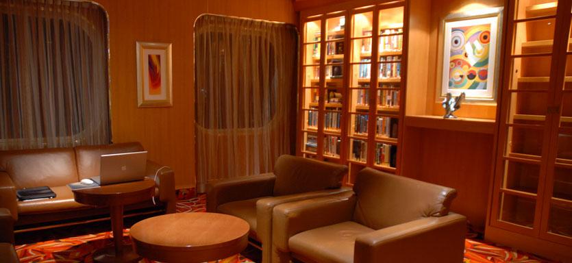 Pullmantur Sovereign Interior Library.jpg