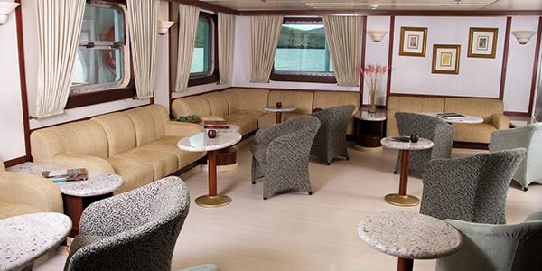 Avalon Waterways Isabella II Interior Saloon 2.jpg
