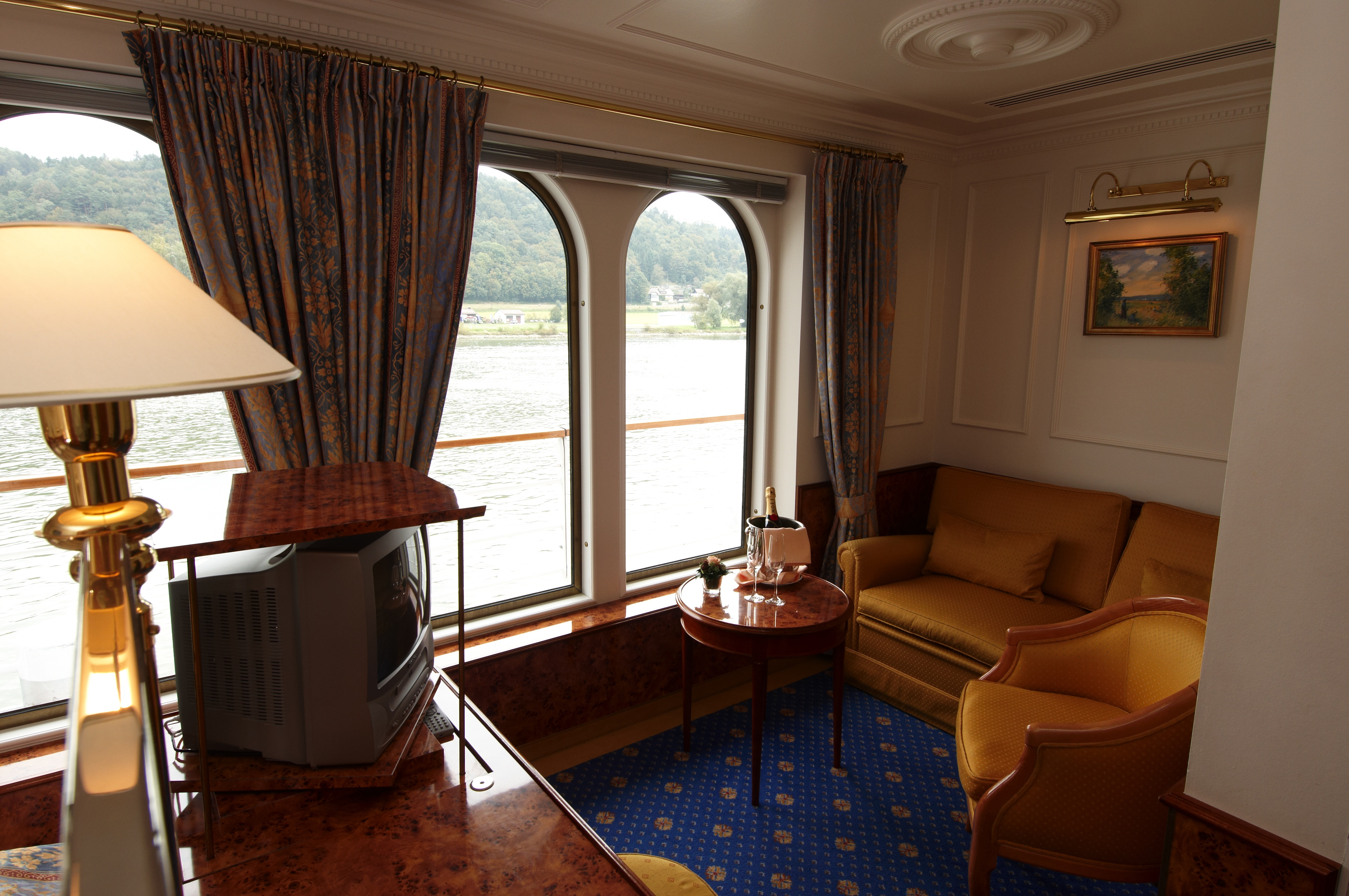 Hebridean Island Cruises Royal Crown Accommodation Royal Suite 2.jpg