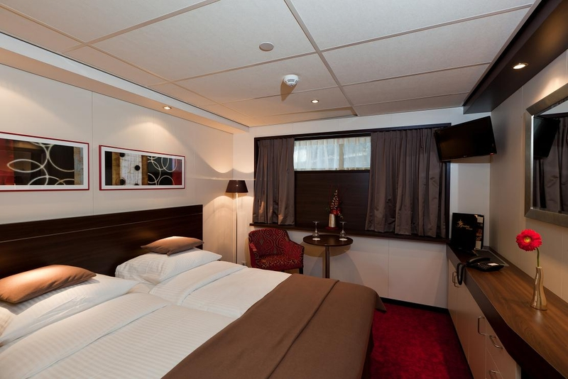 Category C1 Stateroom