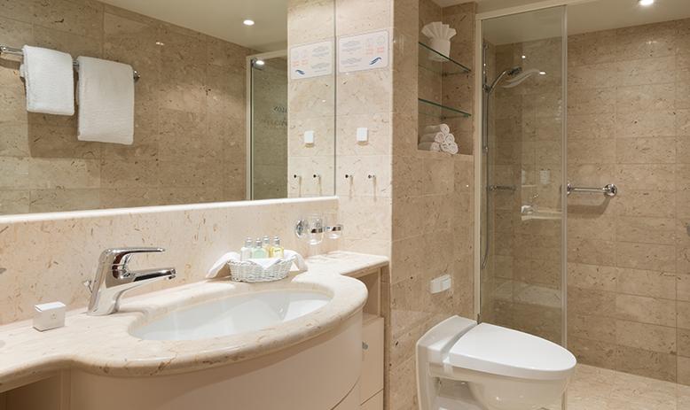 APT Travelmarvel Diamond, Travelmarvel Jewel & Travelmarvel Sapphire Accommodation Owner's Suite Bathroom.jpg