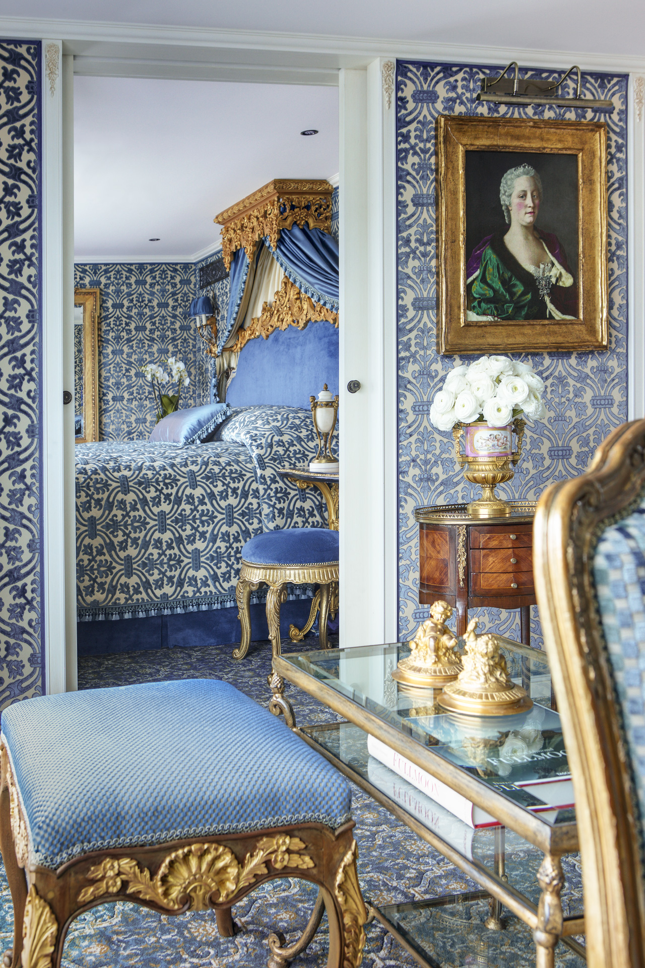 UNIWORLD Boutique River Cruises SS Maria Theresa Accommodation Royal Suite 2.jpg