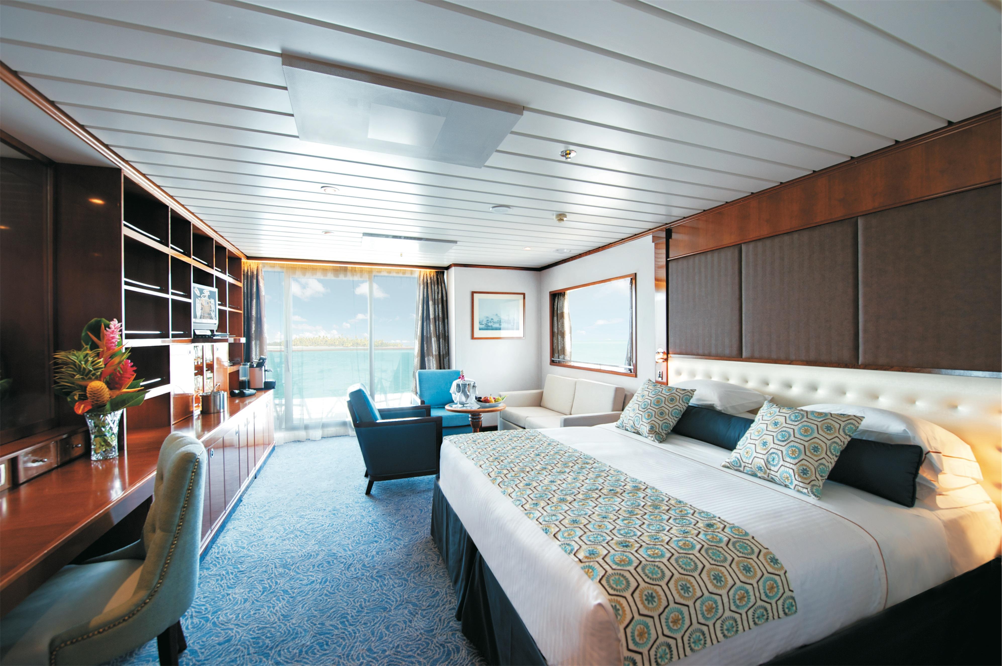 Paul Gauguin MS Paul Gauguin Accommodation Grand Suite 1.jpg