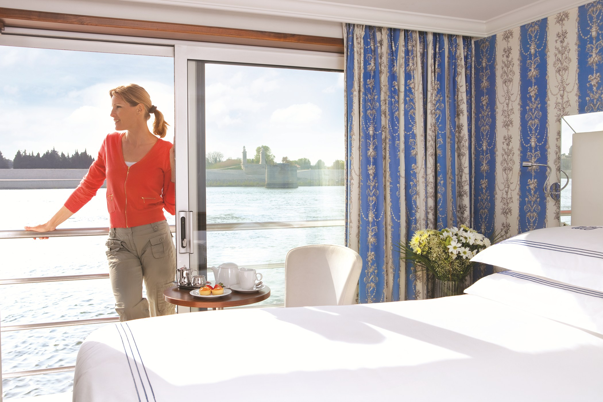 UNIWORLD Boutique River Cruises River Royale Accommodation Stateroom Category 1 2.jpg