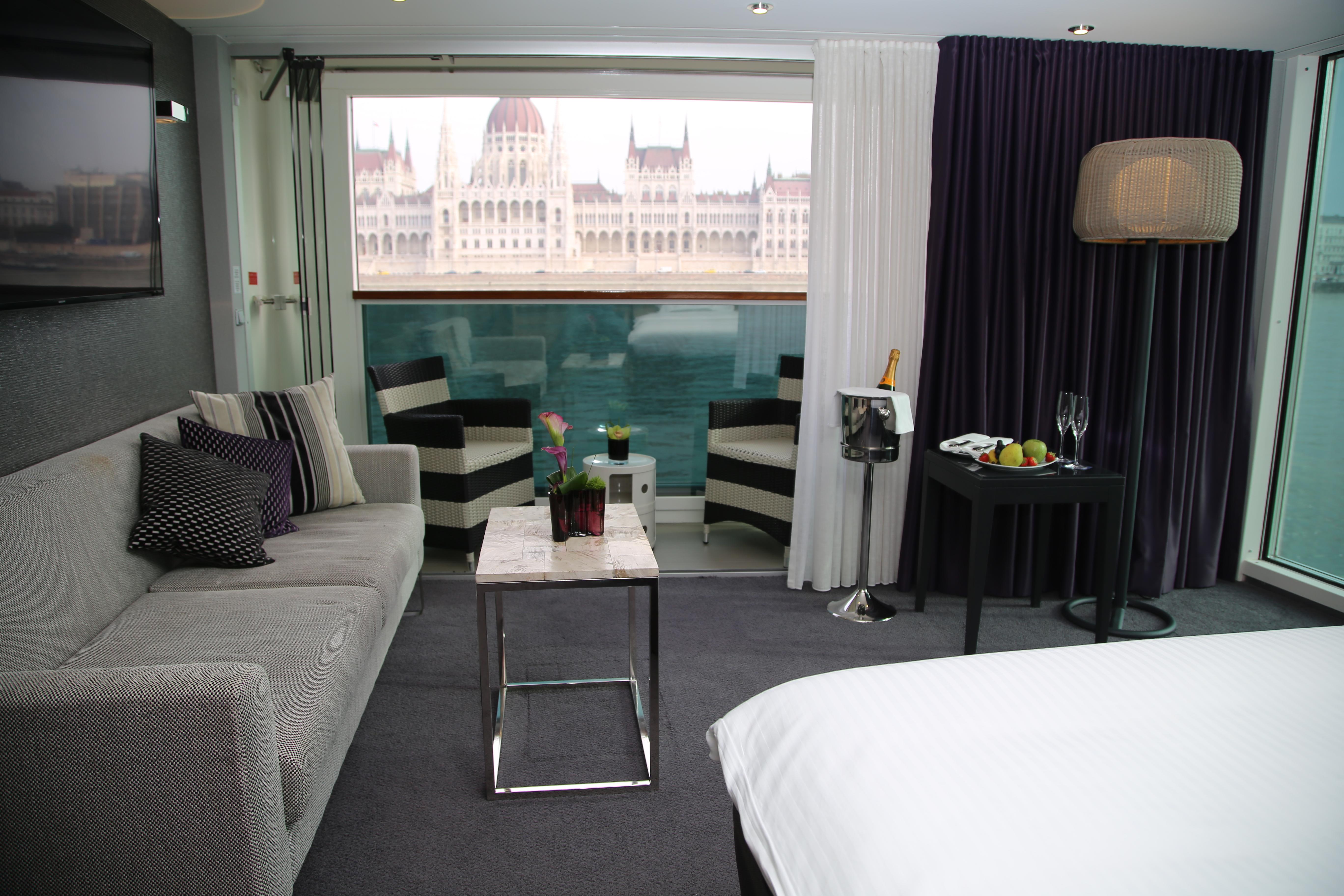 Scenic Crystal Scenic Jewel Scenic Jade Accommodation Royal Panorama Suite 1.JPG