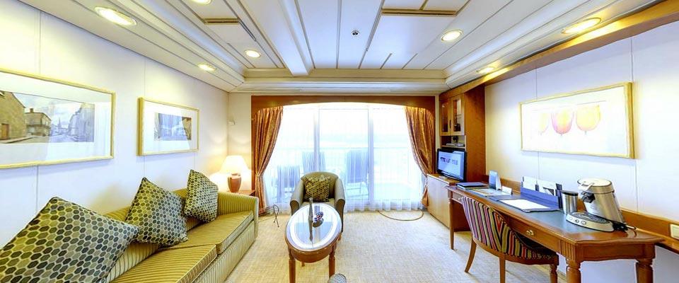P&O Cruises Oriana Accommodation Mini Suite 2.jpg