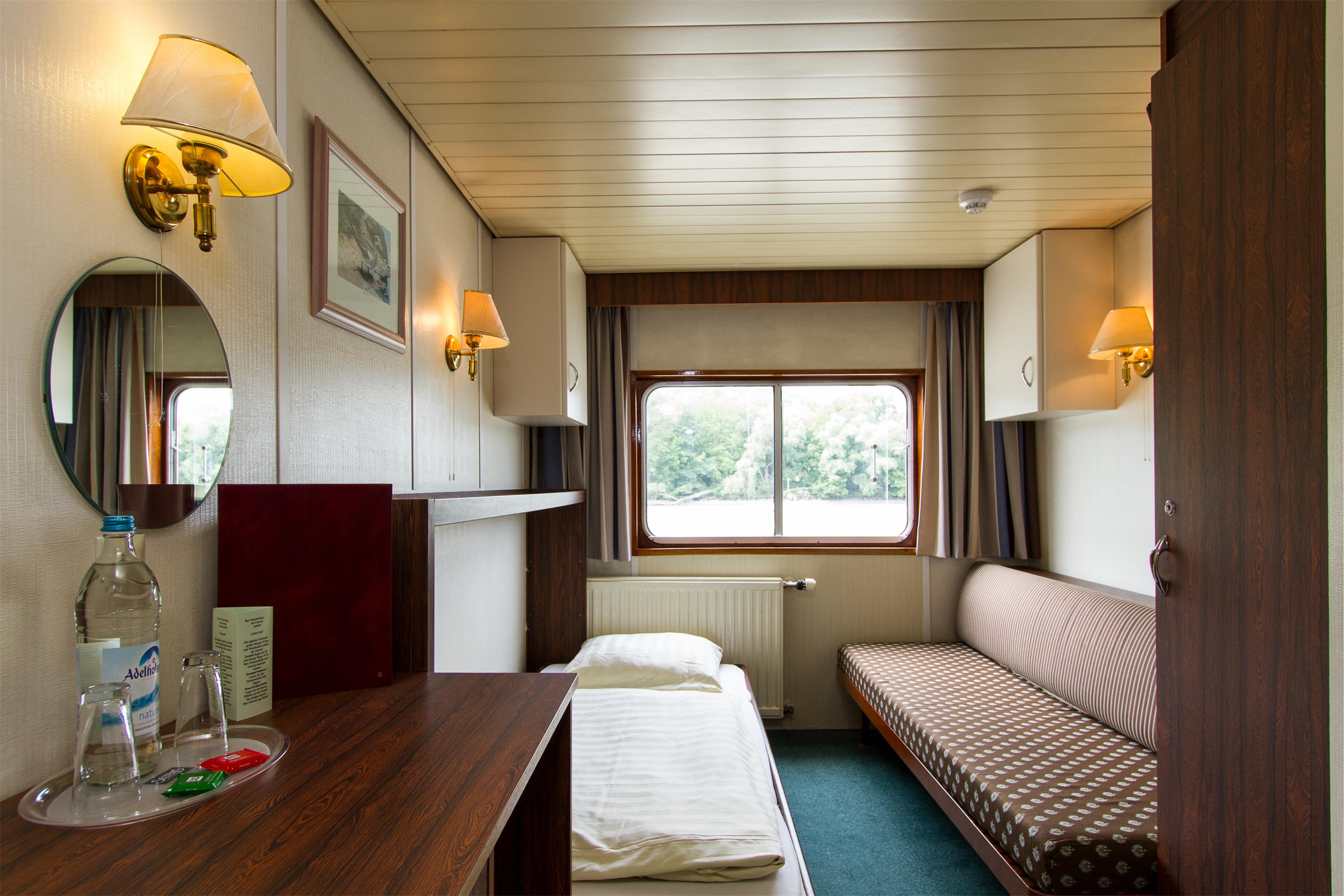 Shearings MV Esmeralda Accommodation.jpg