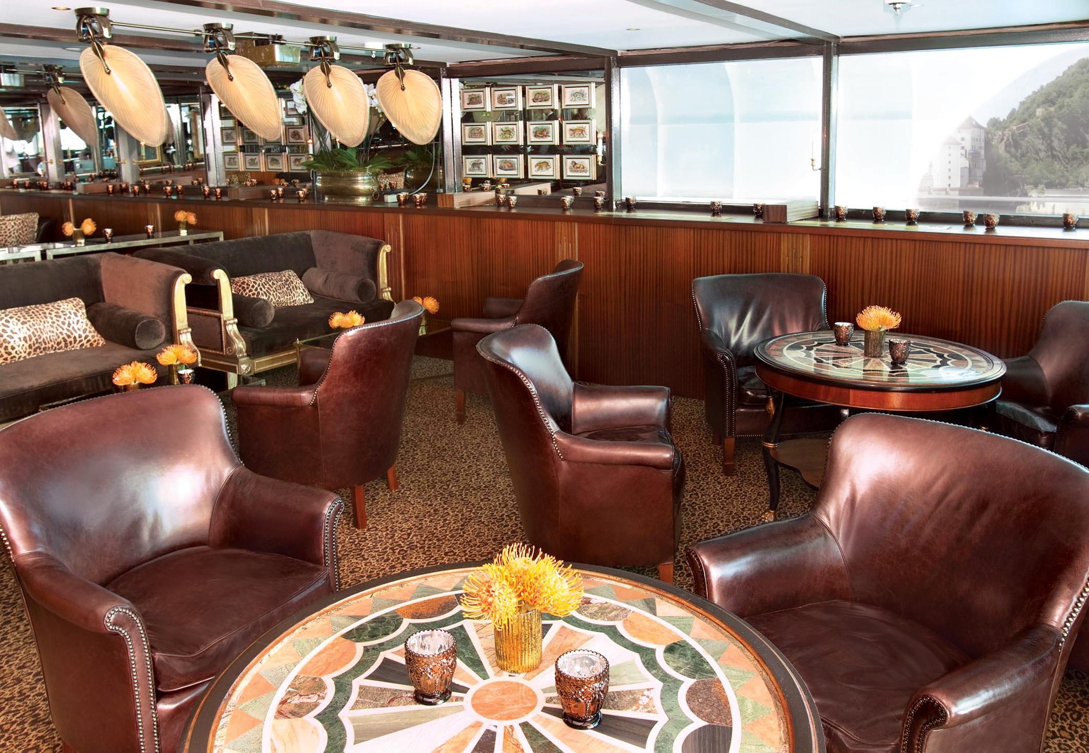 UNIWORLD Boutique River Cruises SS Antoinette Interior Bar du Leopard 2.jpg