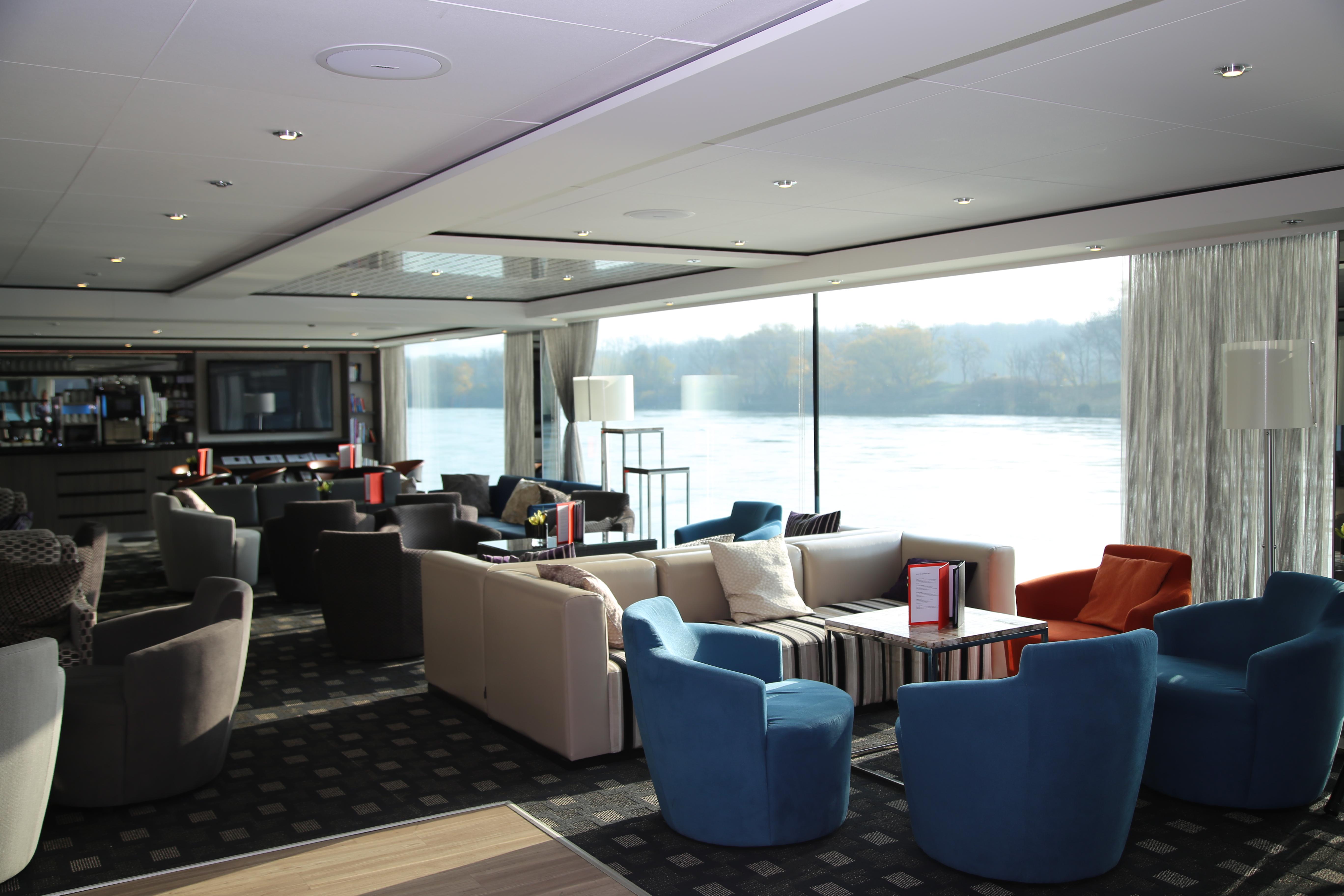 Scenic Crystal Scenic Jewel Scenic Jade Interior Panorama Lounge.JPG