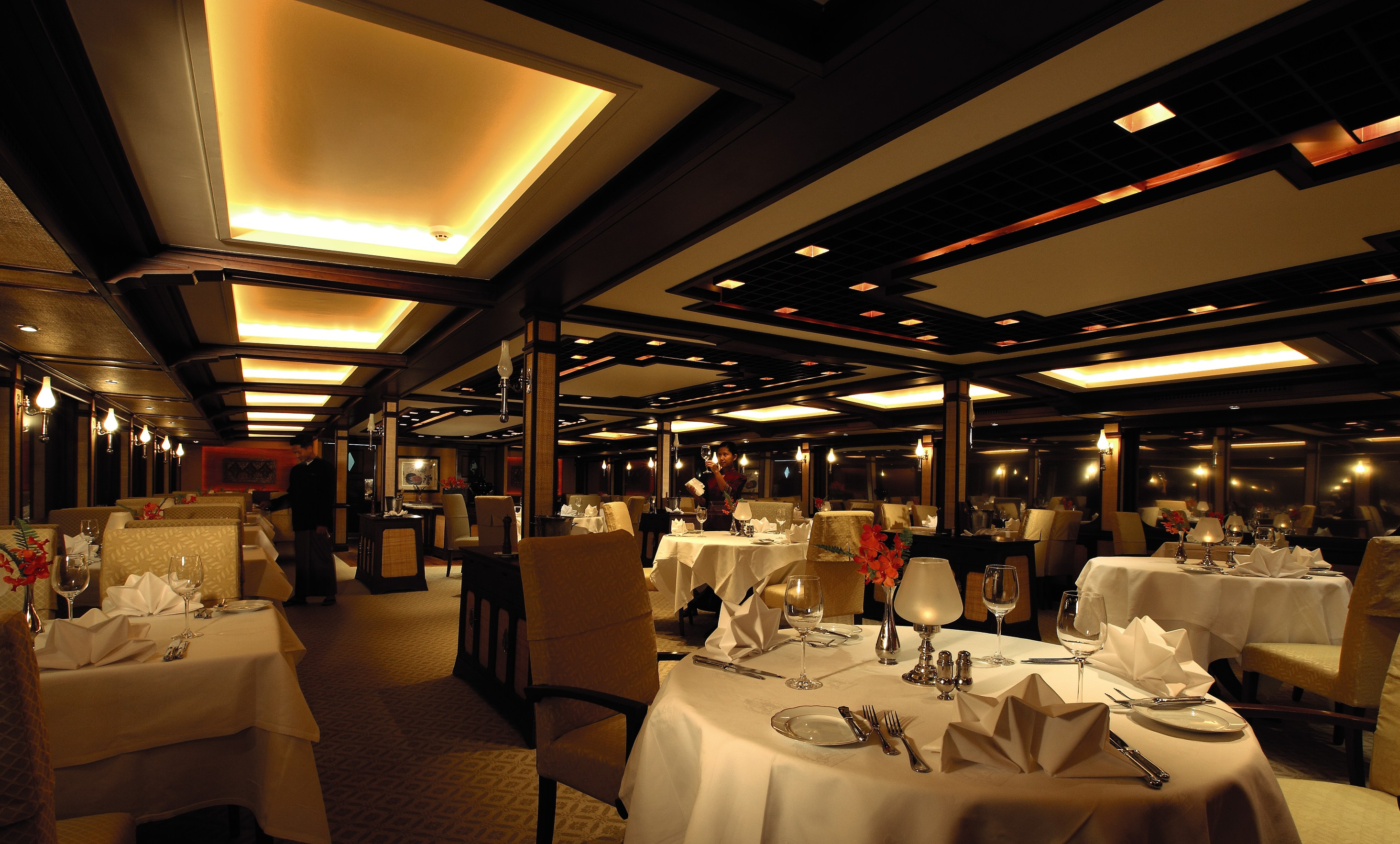 Belmond River Cruises Road to Mandalay Interior Restaurant Diner 03.jpg