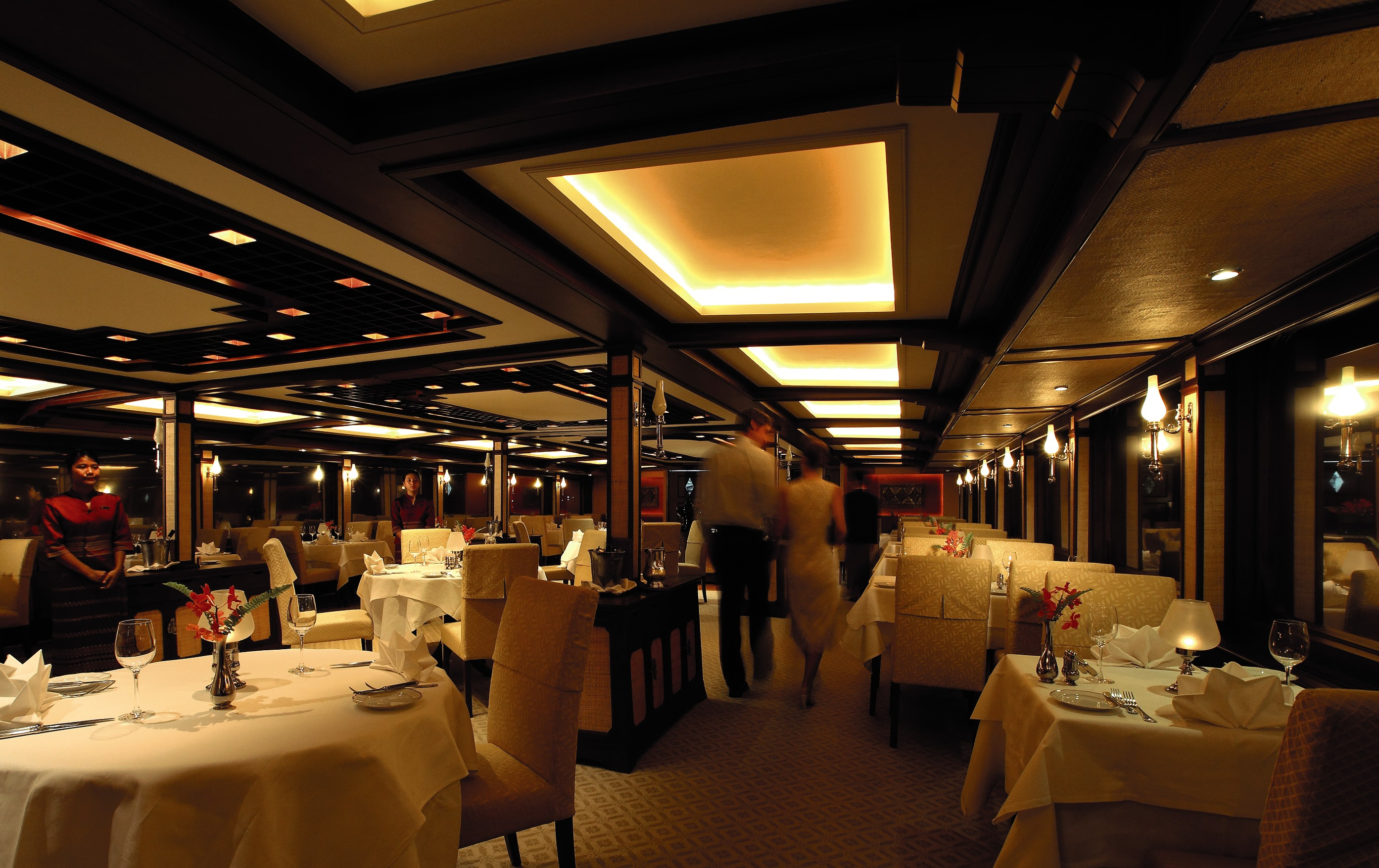 Belmond River Cruises Road to Mandalay Interior Restaurant Diner 05.jpg
