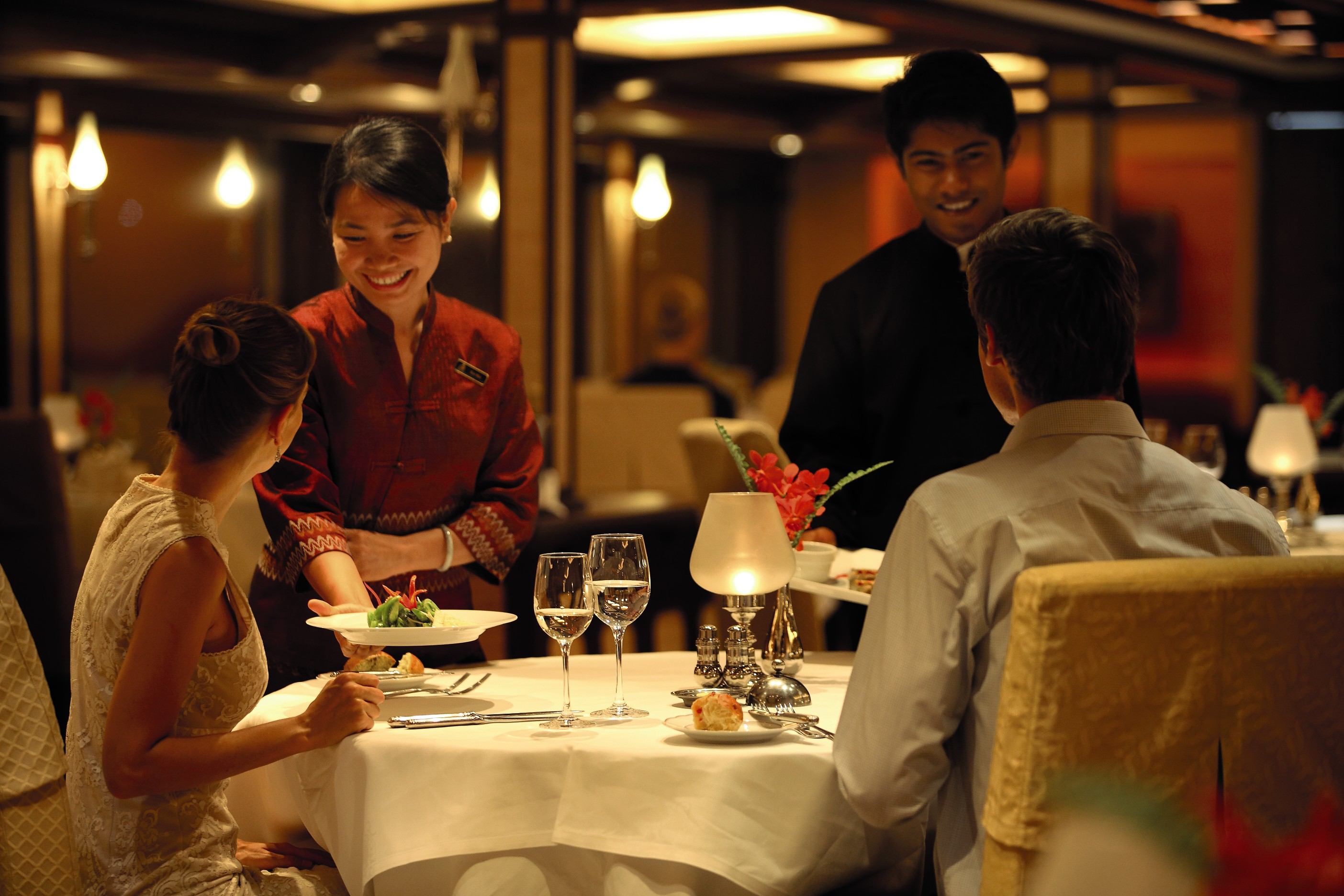 Belmond River Cruises Road to Mandalay Interior Restaurant Diner 07.jpg