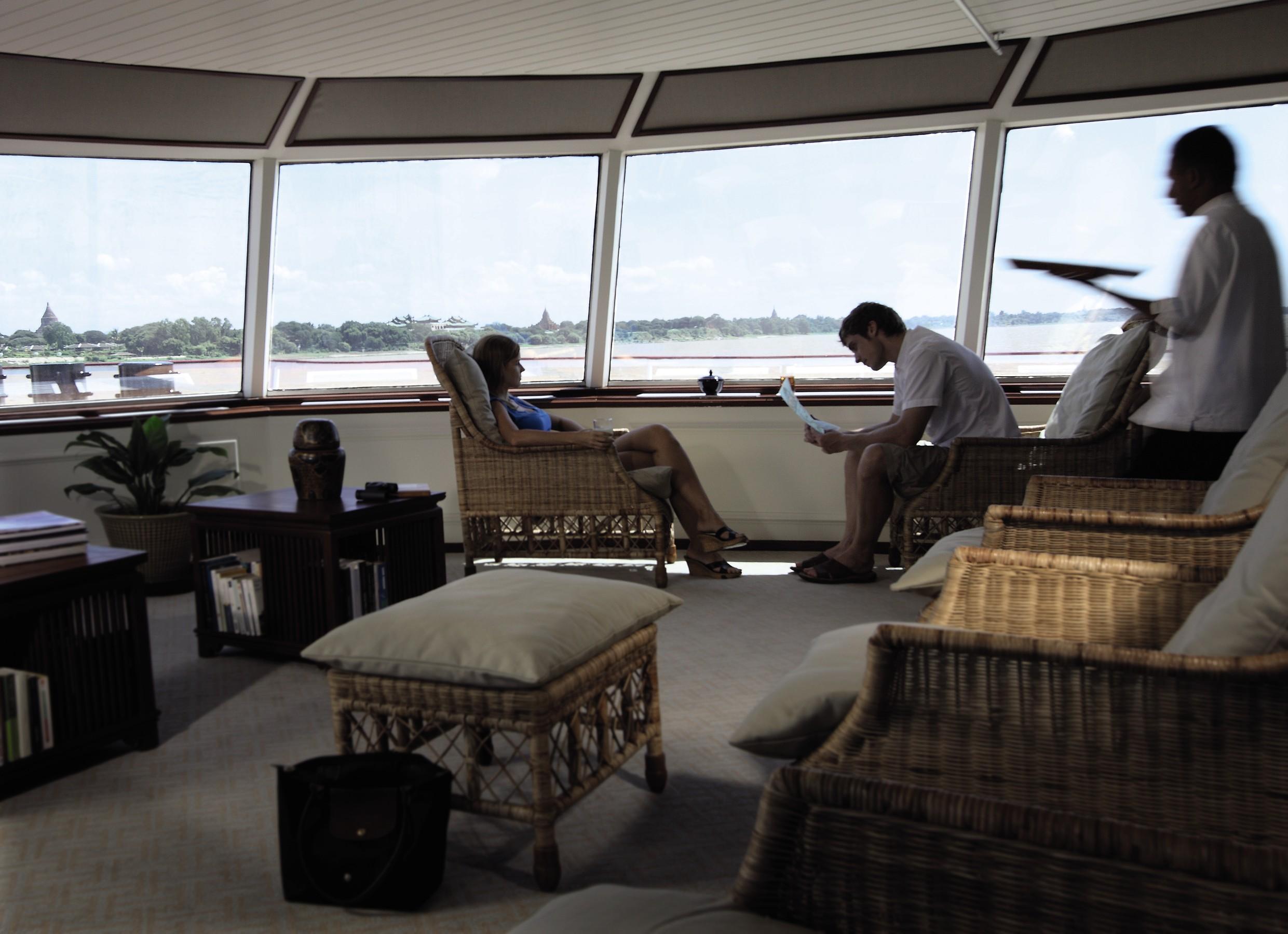 Belmond River Cruises Road to Mandalay Interior Lounge 01.jpg