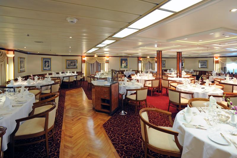 Noble Caledonia Island Sky Interior Restaurant 2.jpg