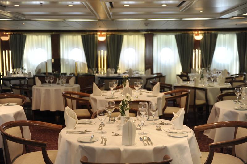 Noble Caledonia Island Sky Interior Restaurant 1.jpg