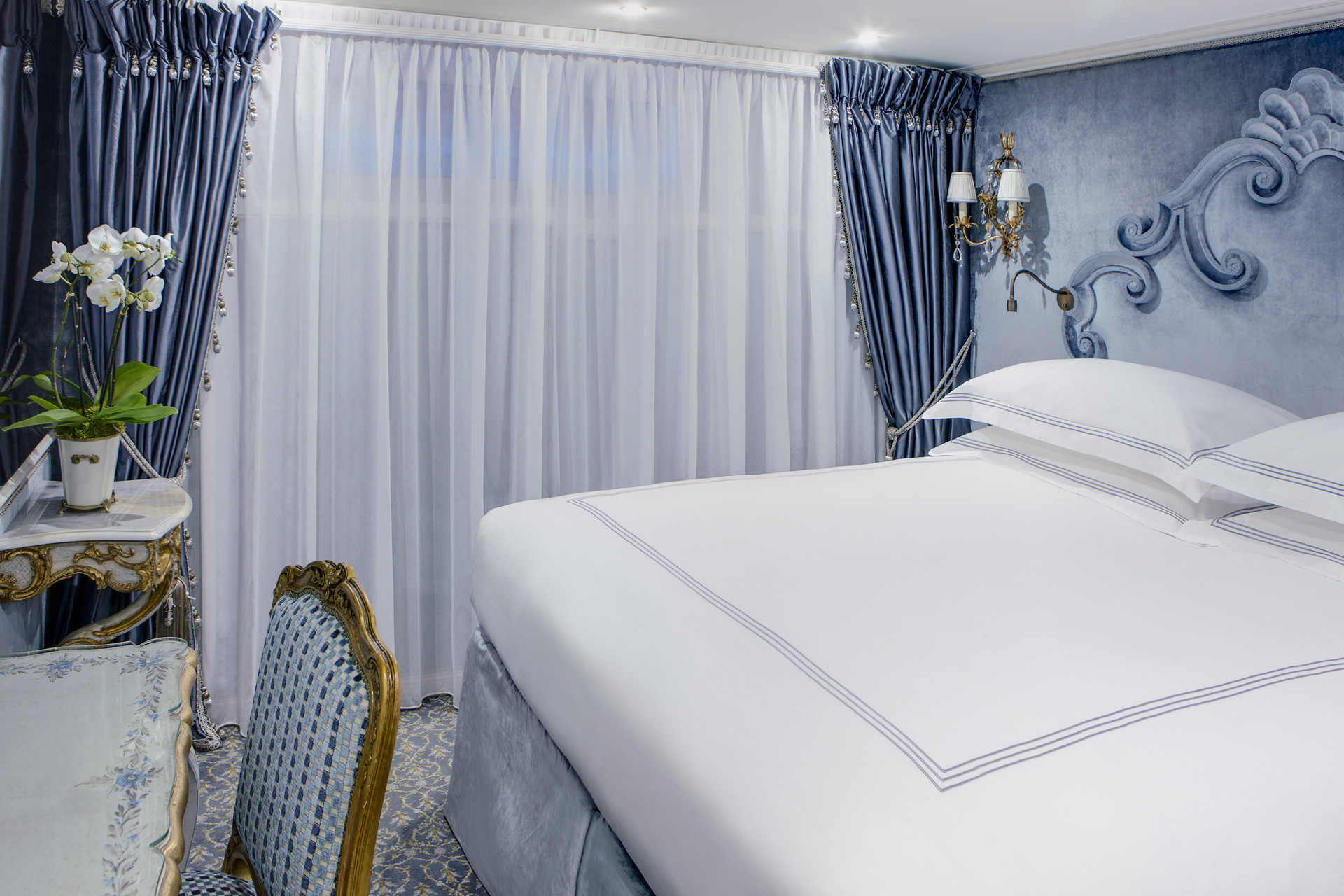 UNIWORLD Boutique River Cruises SS Maria Theresa Accommodation Stateroom Category 4-5 2.jpg