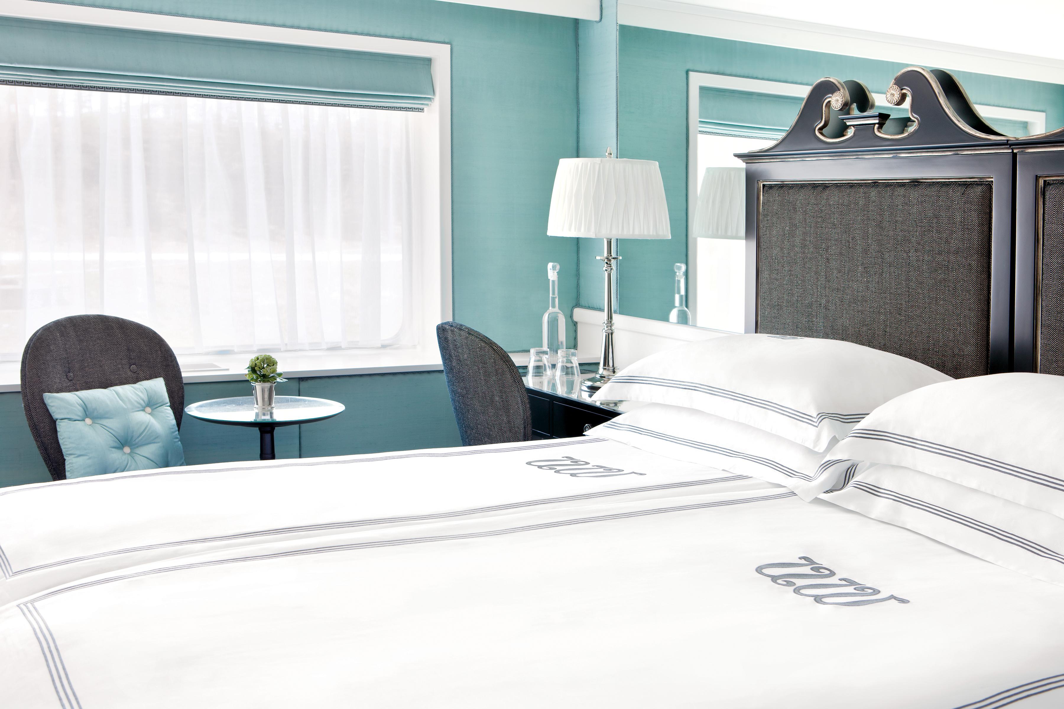 UNIWORLD Boutique River Cruises River Princess Accommodation Stateroom Category 2.jpg