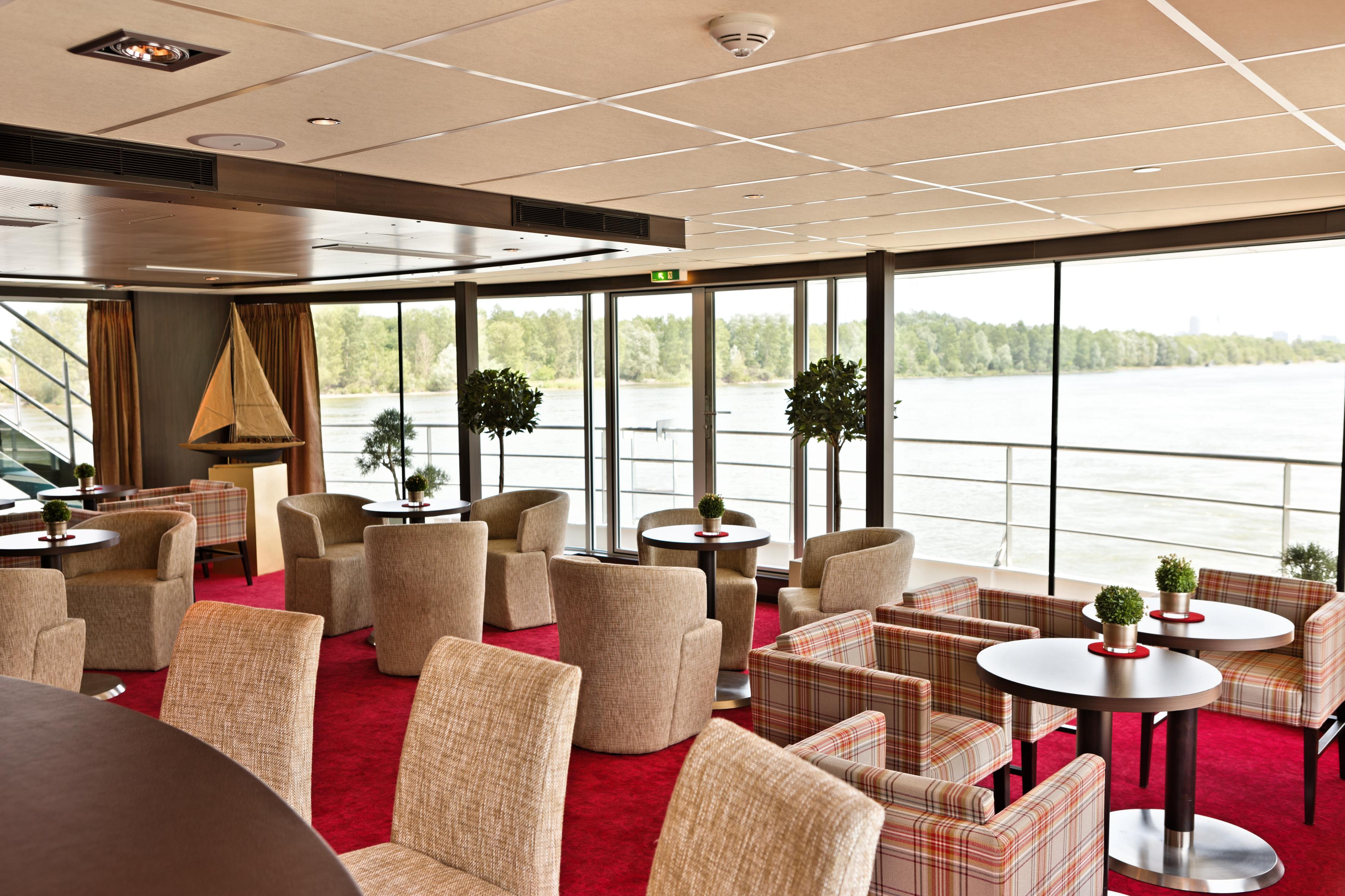 Amadeus River Cruises Amadeus Brilliant Interior Amadeus Club 3.jpg