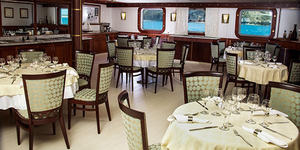 Avalon Waterways Isabella II Interior Restaurant.jpg
