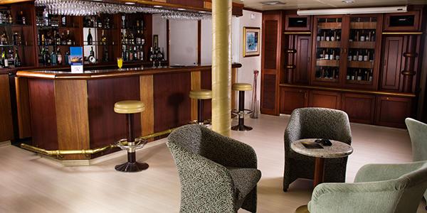 Avalon Waterways Isabella II Interior Saloon 5.jpg