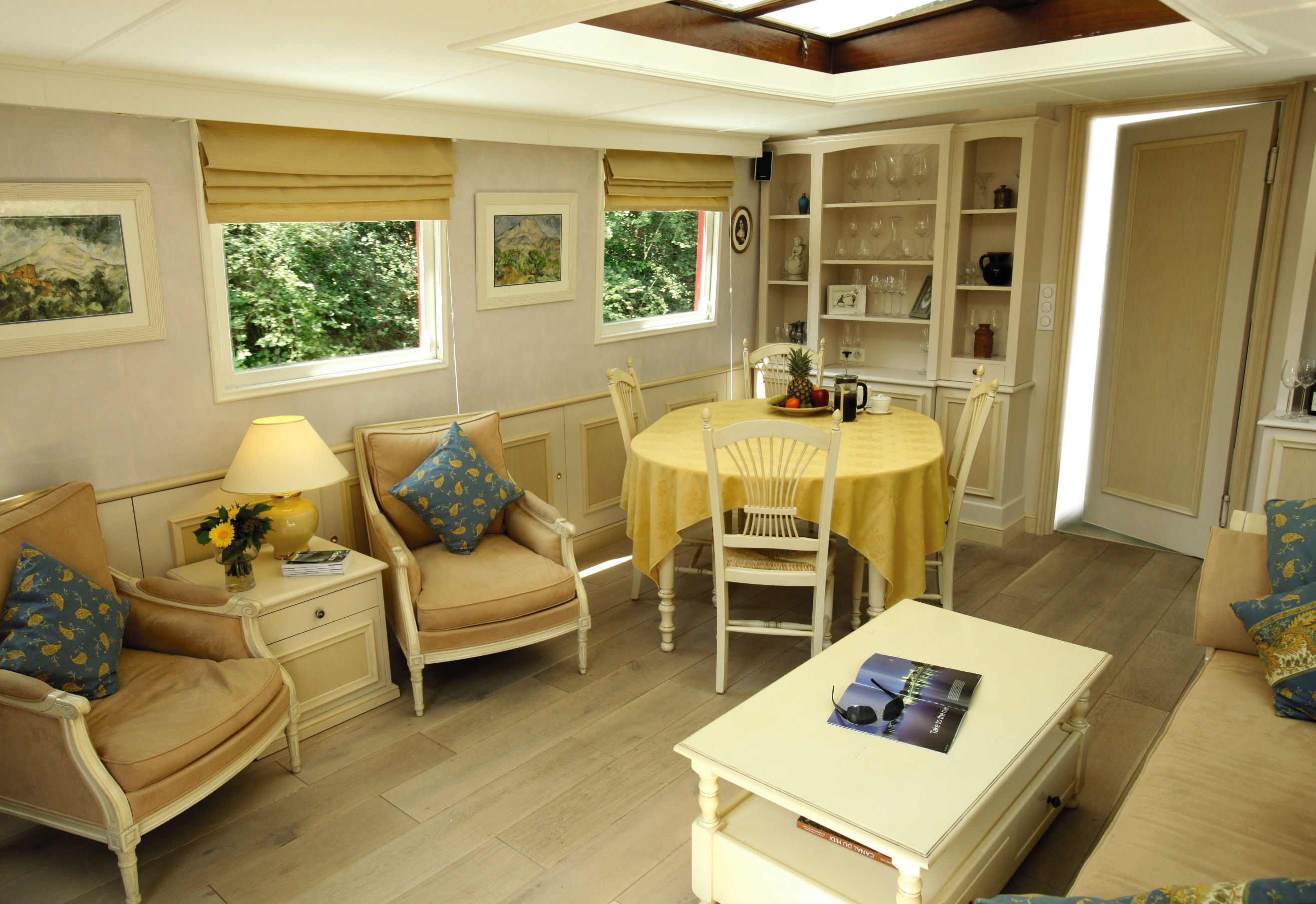 Belmond River Cruises Belmond Alouette Interior Lounge 2.jpg