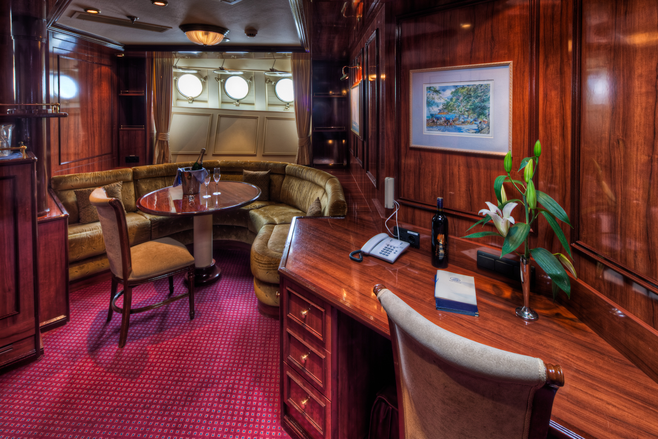 Star Clippers Royal Clipper Accommodation Owners Suite 1.jpg