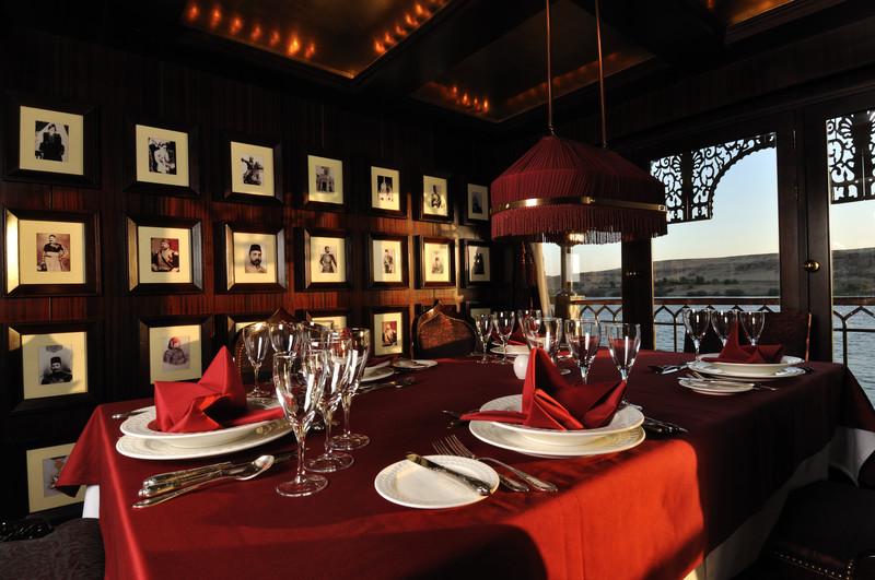 Noble Caledonia Misr Interior Restaurant.jpg